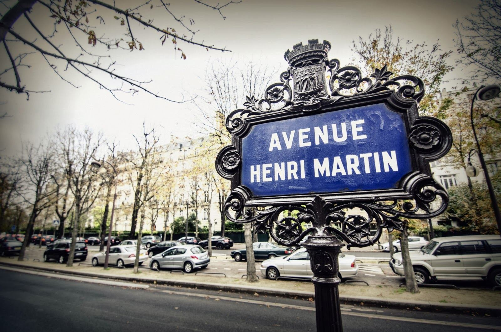 sales property at Apartment facing South for sale in Paris 16th - Henri Martin