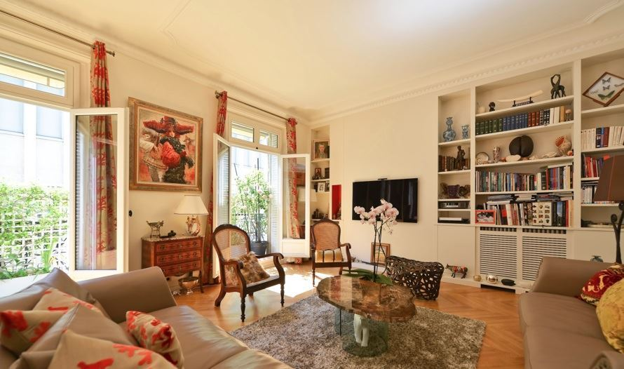Appartement pour l Vente à Iéna - Place des Etats-Unis Paris, Paris 75116 France