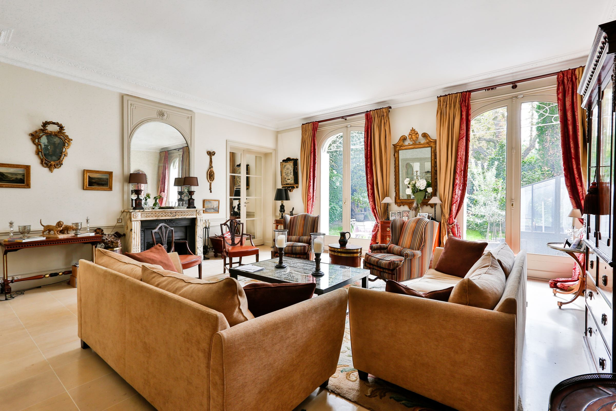 Property For Sale at Neuilly - A 187 sq.m apartment + a 100 sq.m garden