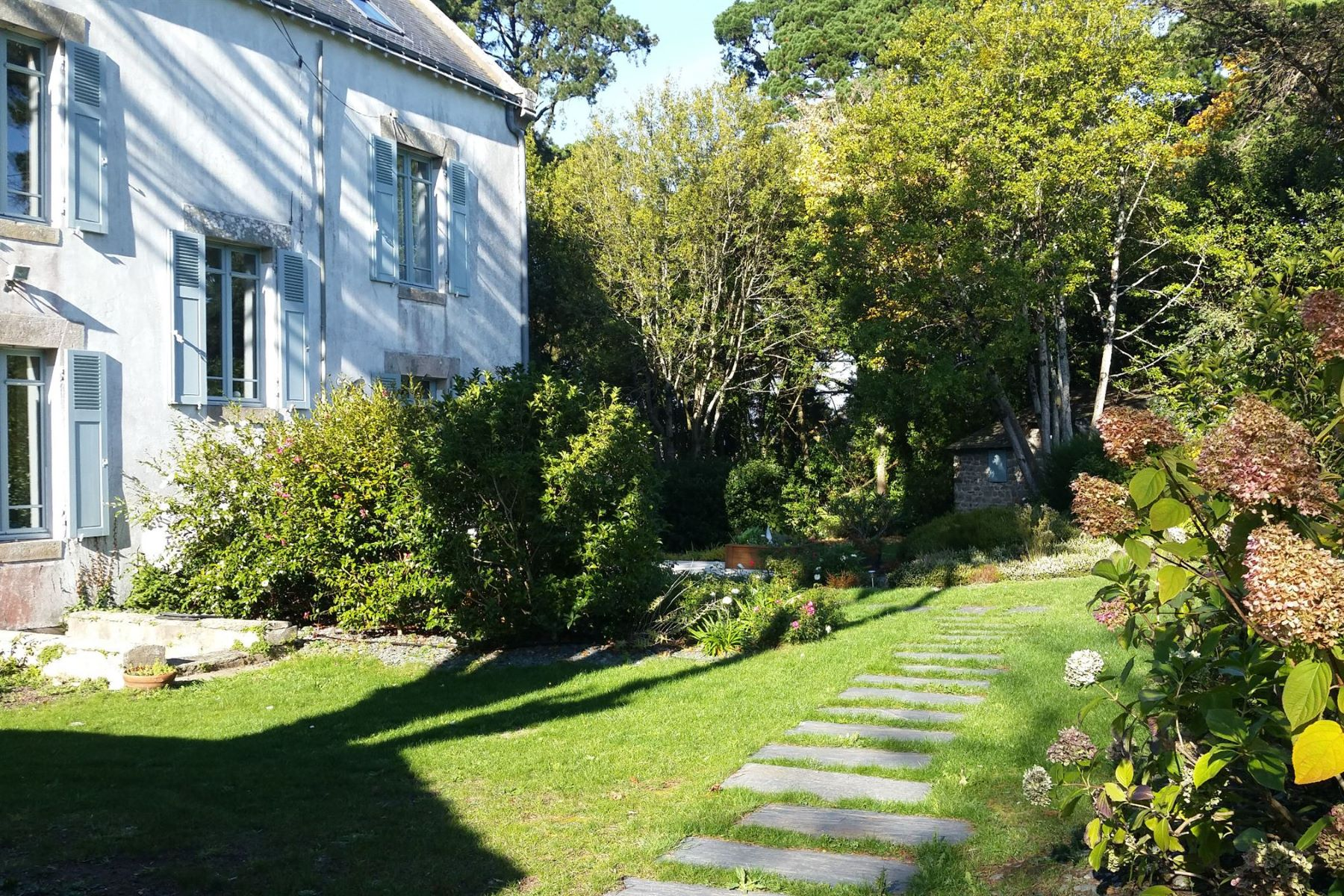 Single Family Home for Sale at Ile aux moines captain house overlooking the Gulf of Morbihan Other Brittany, Brittany, 56780 France