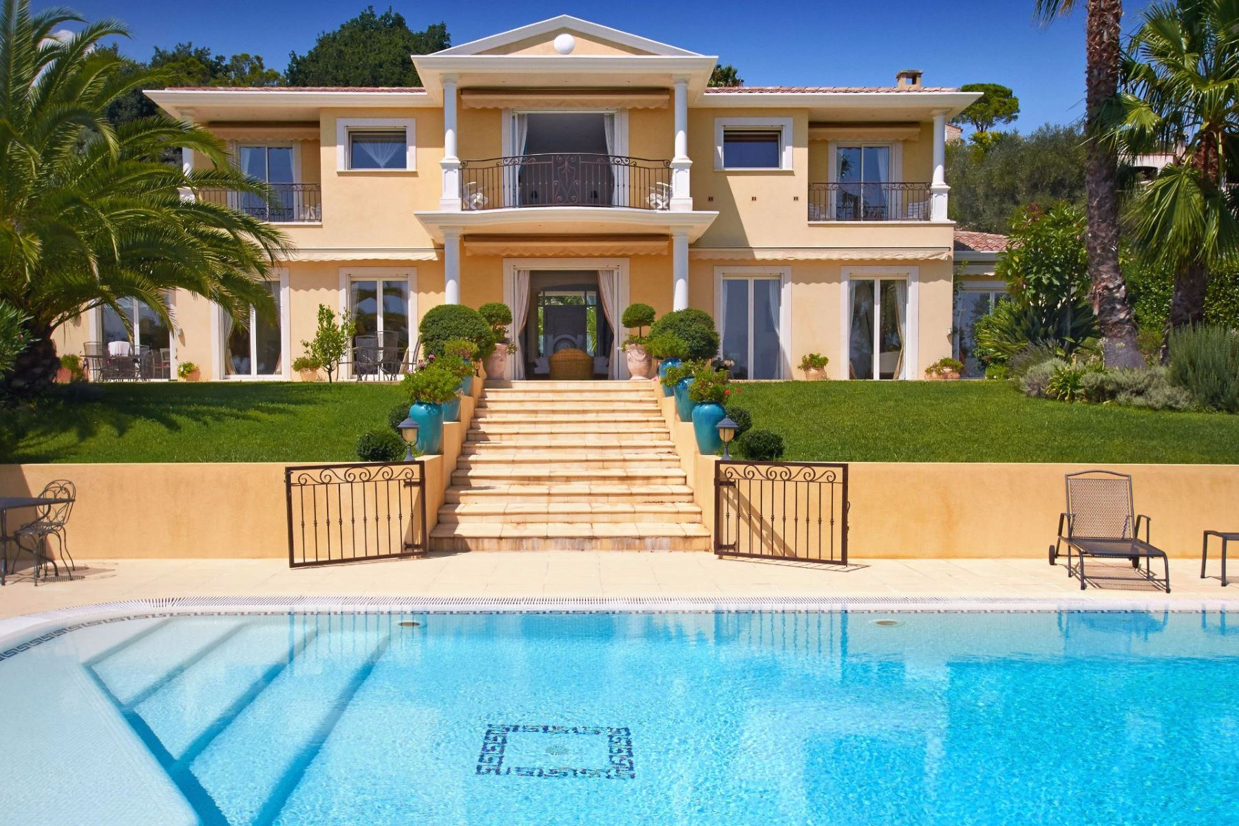 Moradia para Venda às Contemporary house Mougins, Provença-Alpes-Costa Azul, 06250 França