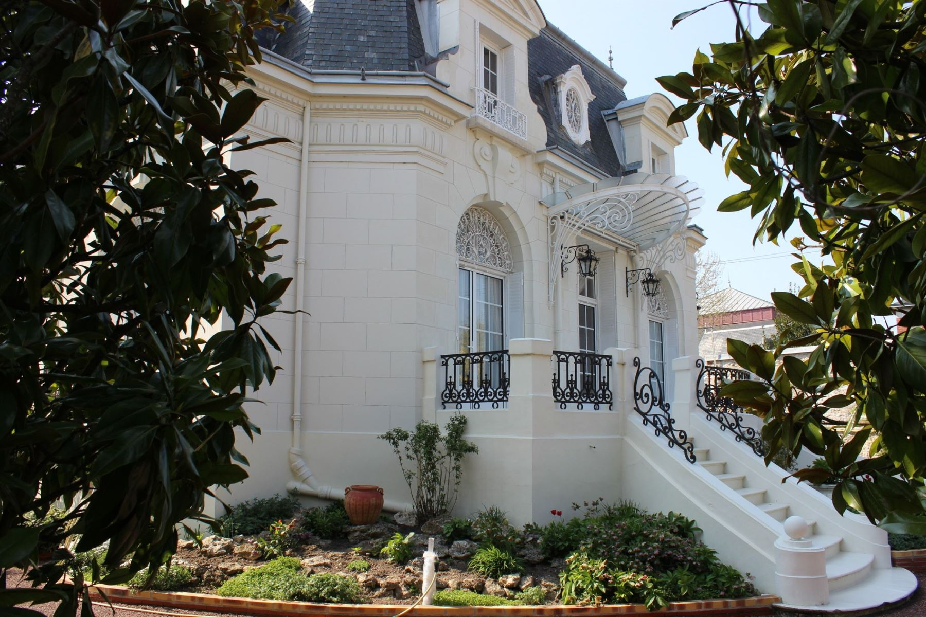 Single Family Homes for Active at House 19th - Loire Valley Blois, Centre 41000 France