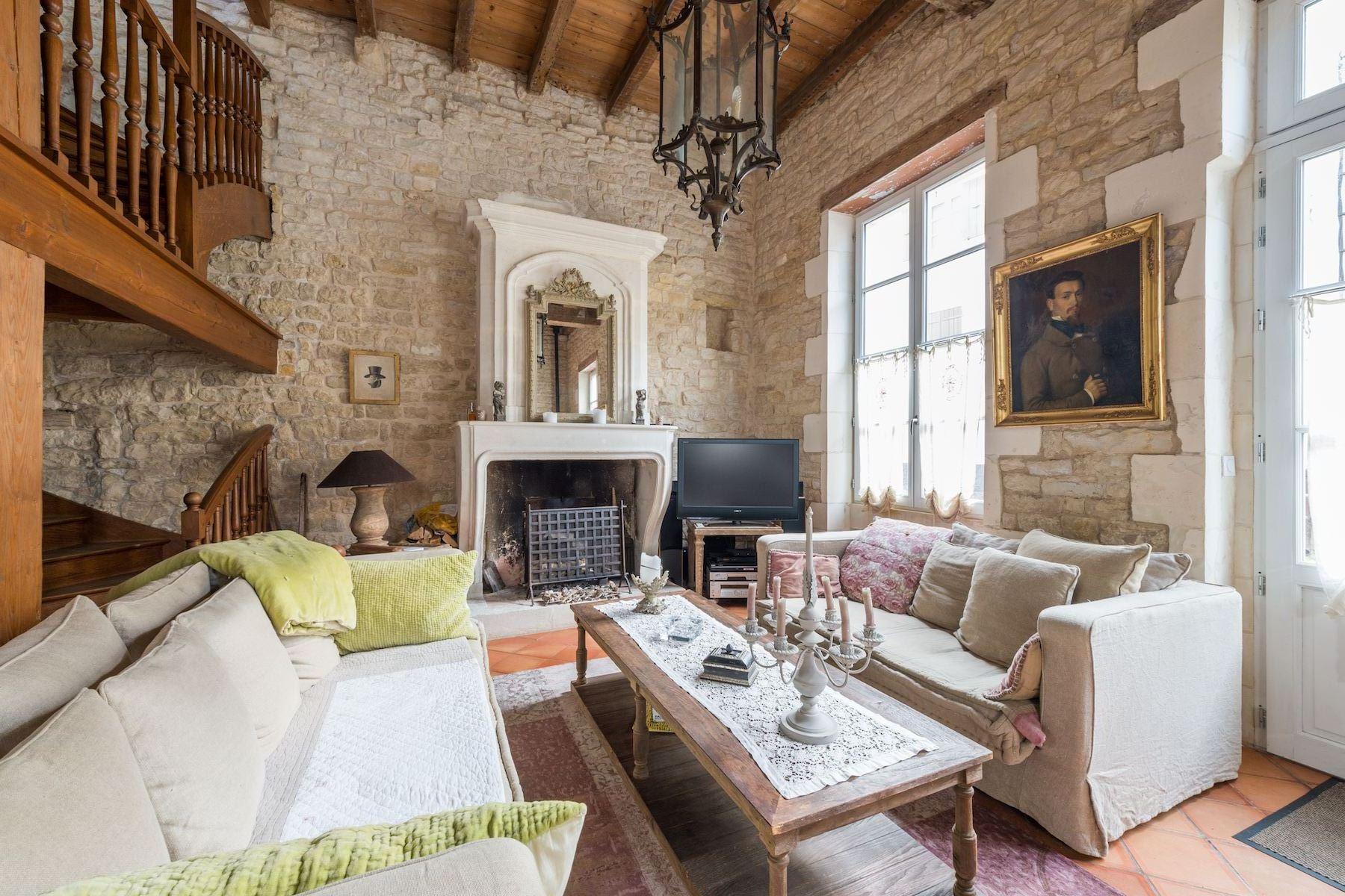 Single Family Homes por un Venta en Ile de Ré - Sainte-Marie - Charming apartment-house Sainte Marie De Re, Poitou-Charentes 17740 Francia