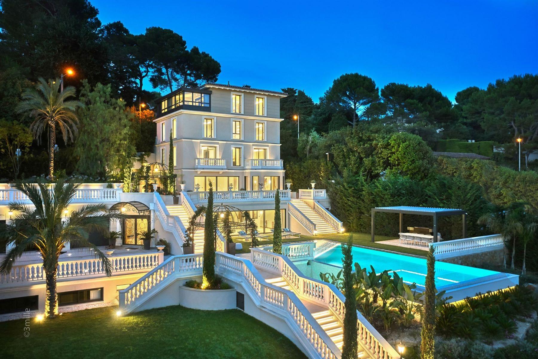 Single Family Homes por un Venta en Cannes Californie - Luxurious villa for sale with sea view Cannes, Provincia - Alpes - Costa Azul 06400 Francia