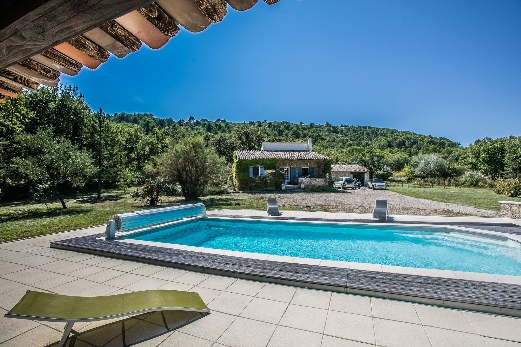 Single Family Homes por un Venta en Un pied a terre in Provence Gordes, Provincia - Alpes - Costa Azul 84220 Francia