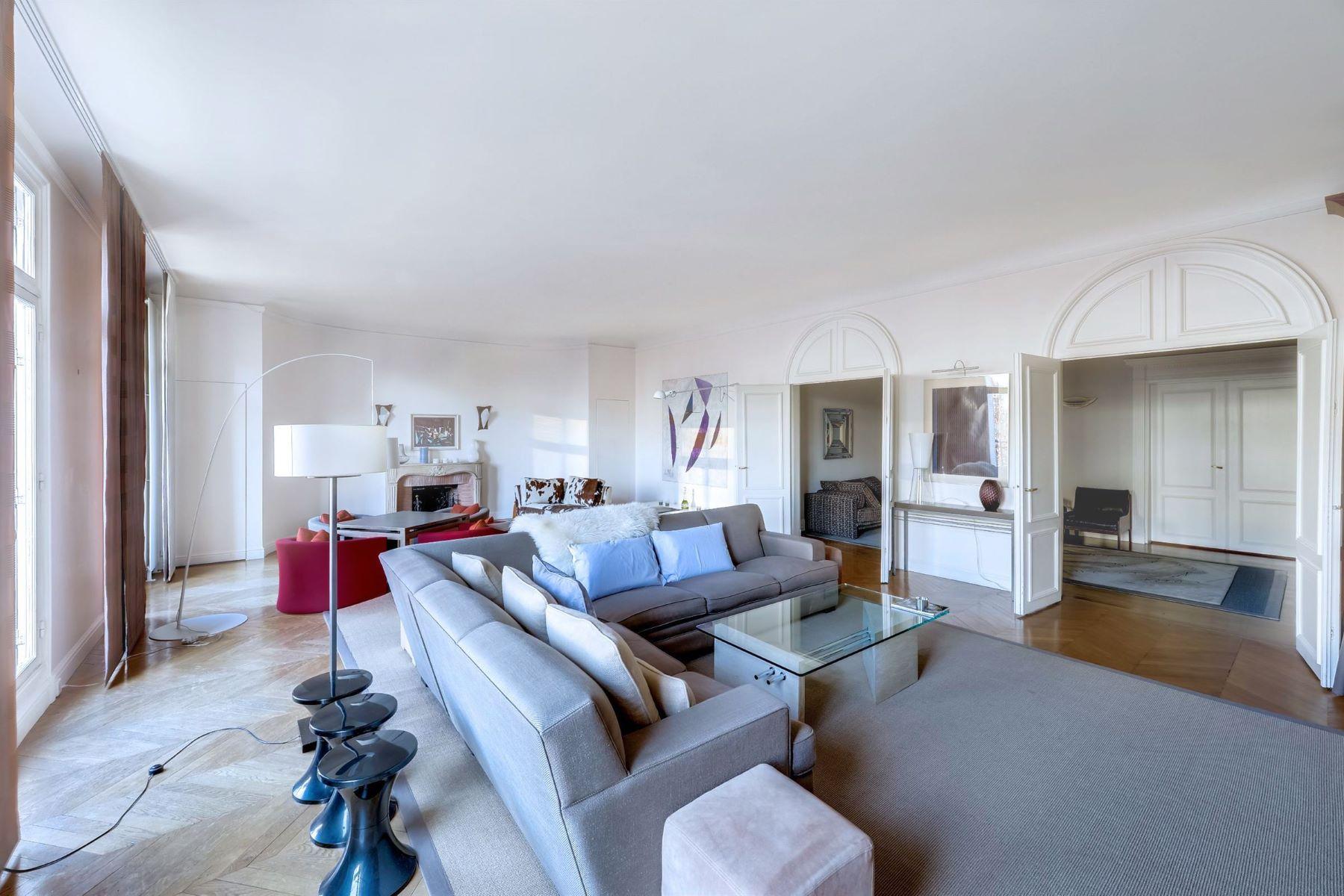 Apartamento para Venda às Superb through-apartment for sale in Paris 16th - Henri Martin Paris, Ile-De-France, 75116 França