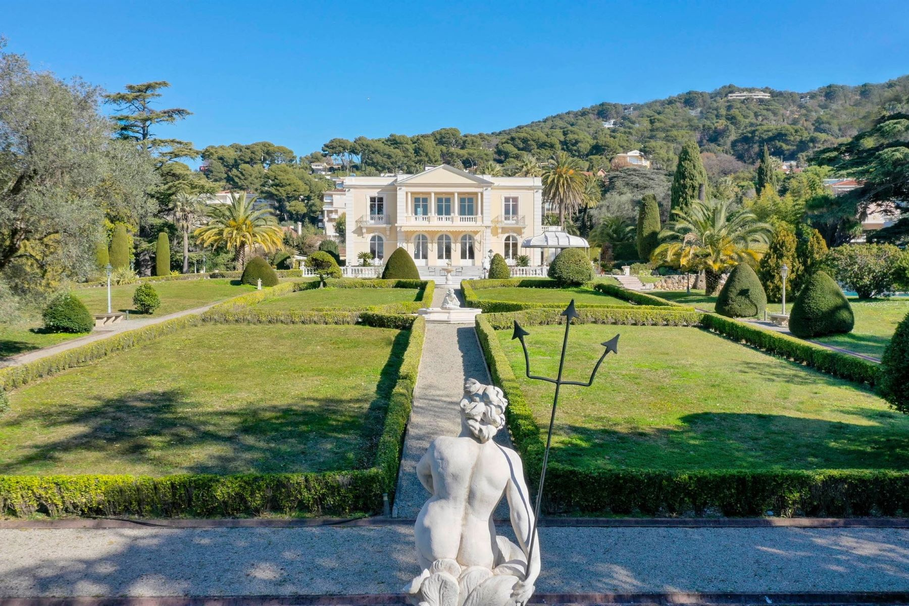 Single Family Homes por un Venta en Le Château Sainte-Anne, a unique Belle-Époque mansion in the heart of Cannes Cannes, Provincia - Alpes - Costa Azul 06400 Francia