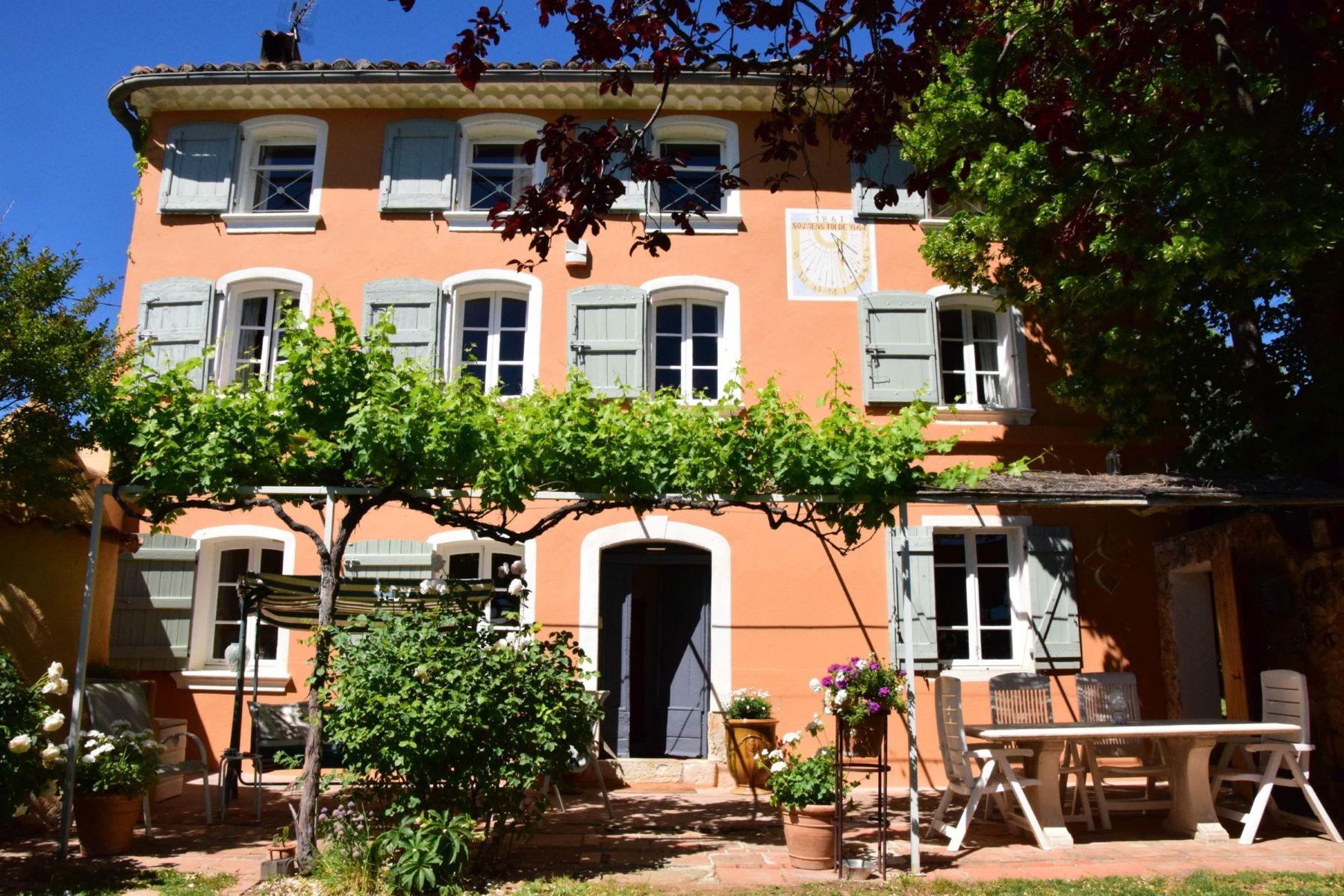 Single Family Homes por un Venta en Authentic and historic Mas Aups, Provincia - Alpes - Costa Azul 83630 Francia