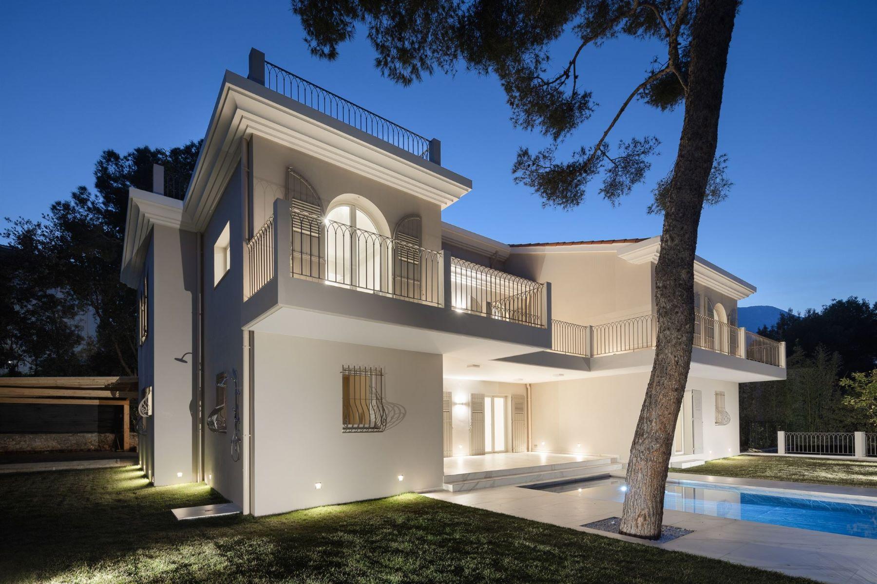Single Family Homes por un Venta en Luxury property in the heart of Cap-Martin Roquebrune Cap Martin, Provincia - Alpes - Costa Azul 06190 Francia