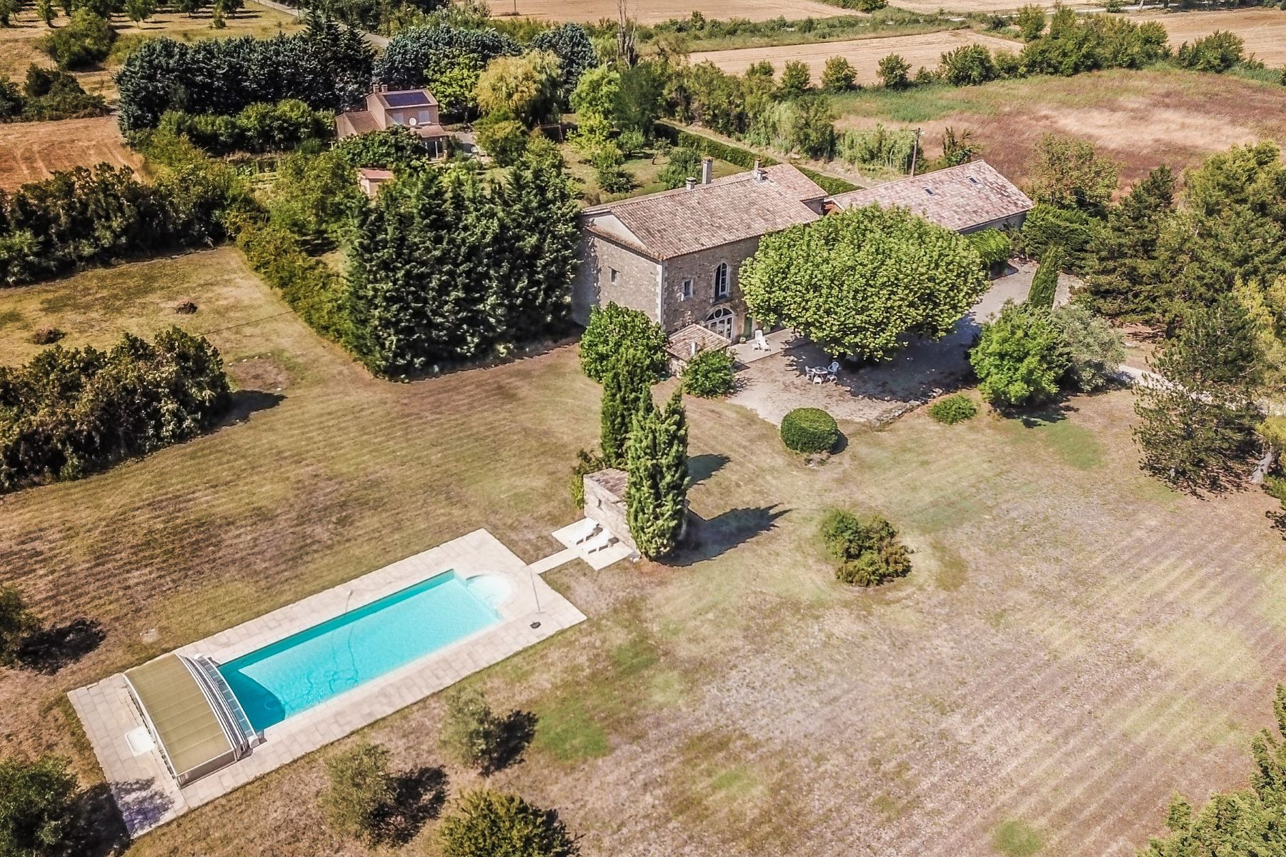 Single Family Homes por un Venta en a farm with potential Other Provence-Alpes-Cote D'Azur, Provincia - Alpes - Costa Azul 84800 Francia