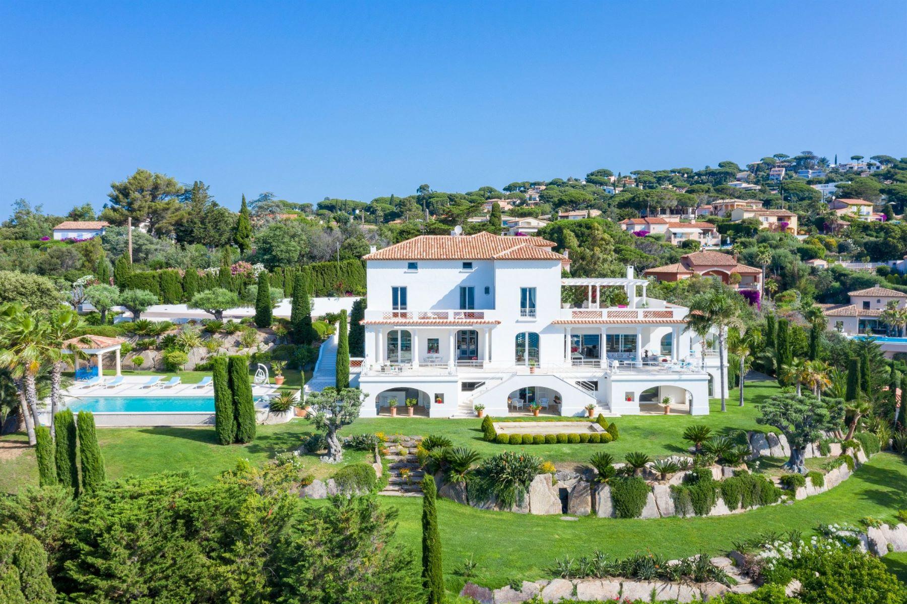 Single Family Homes por un Venta en House Sainte Maxime, Provincia - Alpes - Costa Azul 83120 Francia