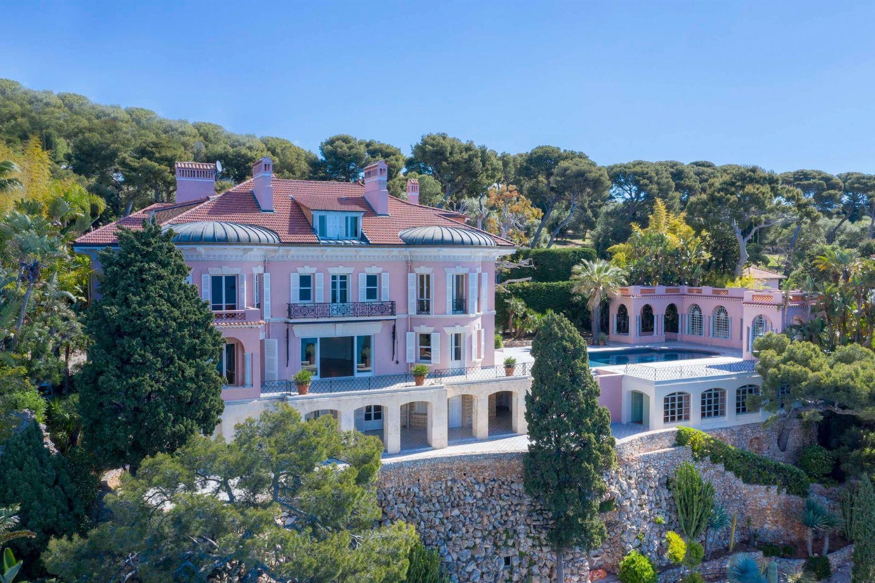 Single Family Homes for Sale at Property Roquebrune Cap Martin, Provence-Alpes-Cote D'Azur 06190 France