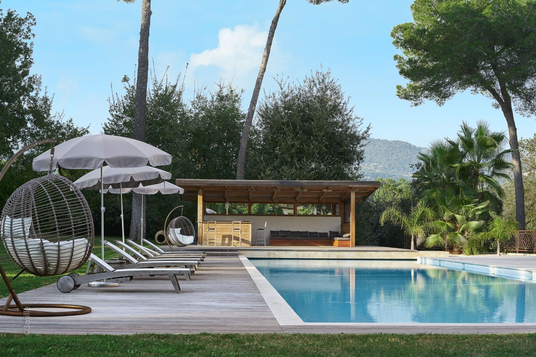 Single Family Homes por un Venta en For sale - Luxurious villa in Saint-Paul-de-Vence Other Provence-Alpes-Cote D'Azur, Provincia - Alpes - Costa Azul 06570 Francia