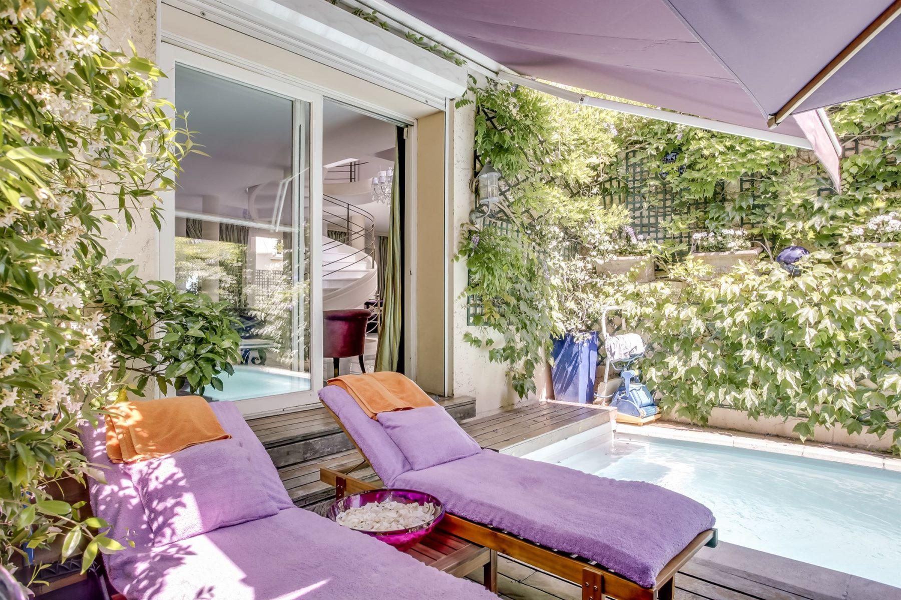 Einfamilienhaus für Verkauf beim Sublime 450 sq.m duplex, Paris 18 – Butte Montmatre, 7-room, Sacré-Cœur view Paris, Ile-De-France, 75018 Frankreich