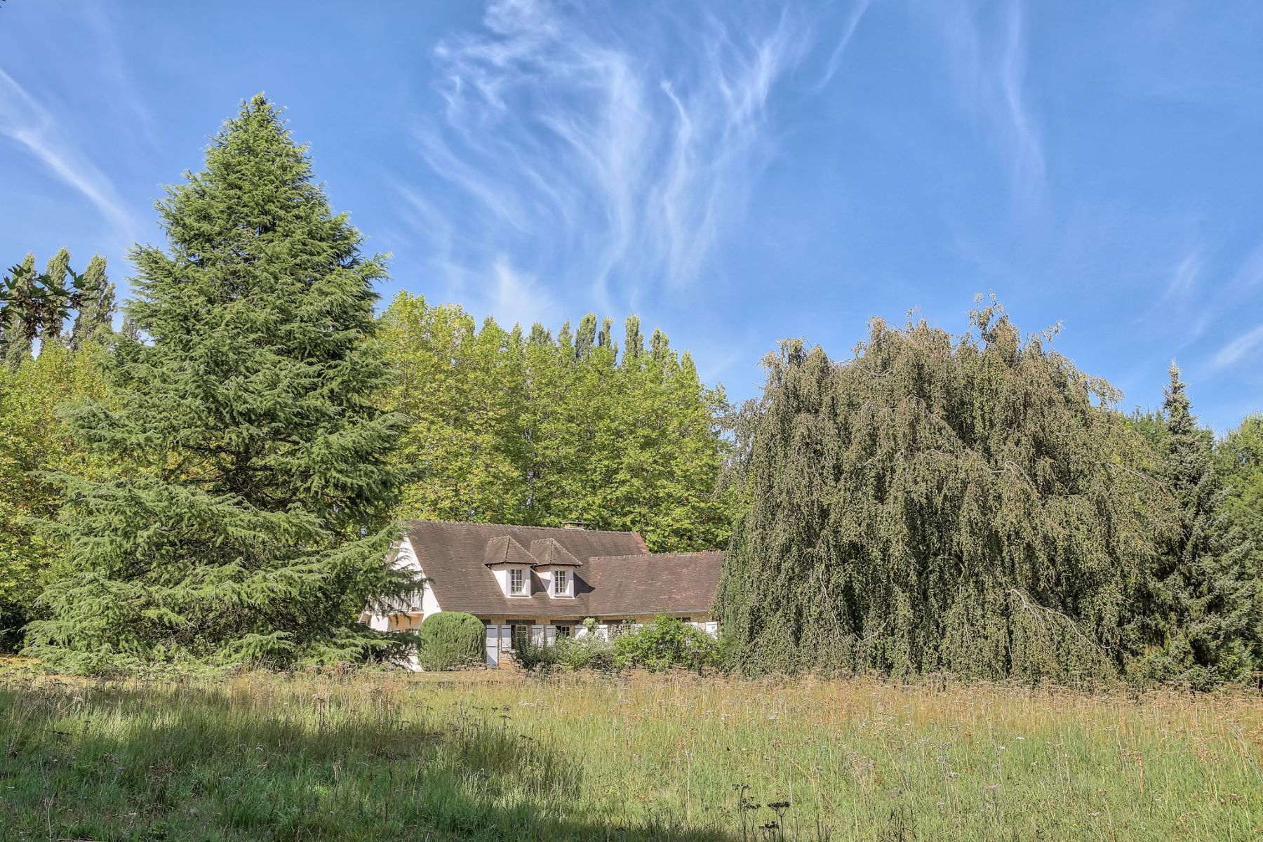Single Family Homes for Active at Charming property to 40 mins from Paris Lainville En Vexin, Ile-De-France 78440 France