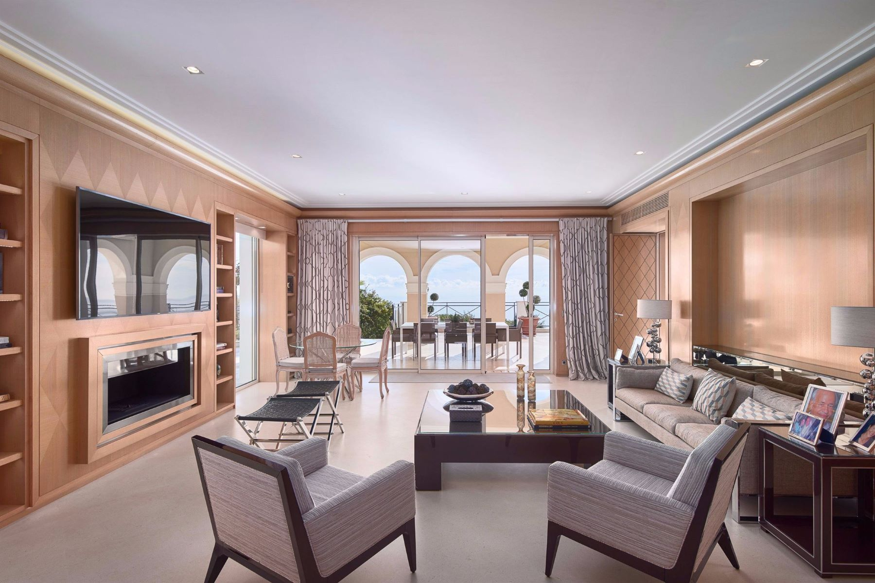 Additional photo for property listing at Exceptional property with spectacular sea views on the heights of Cannes  Cannes, Provence-Alpes-Cote D'Azur 06400 France
