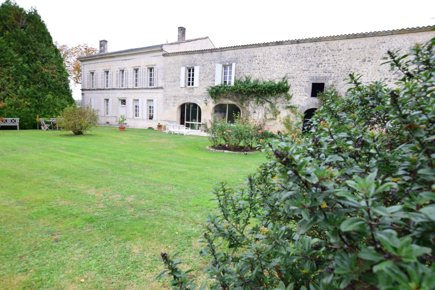 Maison unifamiliale pour l à vendre à Property with guest house and pool - Charente Maritime Jonzac, Poitou-Charentes, 17500 France