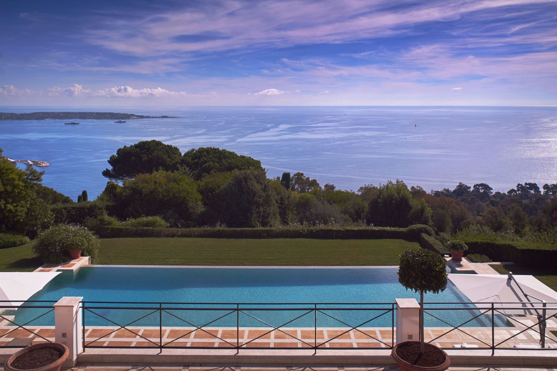 Single Family Home for Sale at Classic Paladin property for sale in Super Cannes Cannes, Provence-Alpes-Cote D'Azur 06400 France