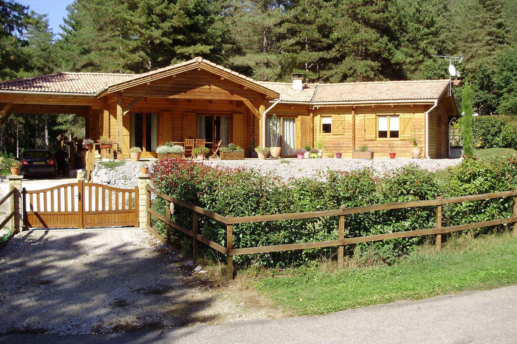 Частный односемейный дом для того Продажа на beautiful 135 m² wood-house 30 minutes to Bagnère de Luchon Other Midi Pyrenees, Midi Pyrenees, 31510 Франция
