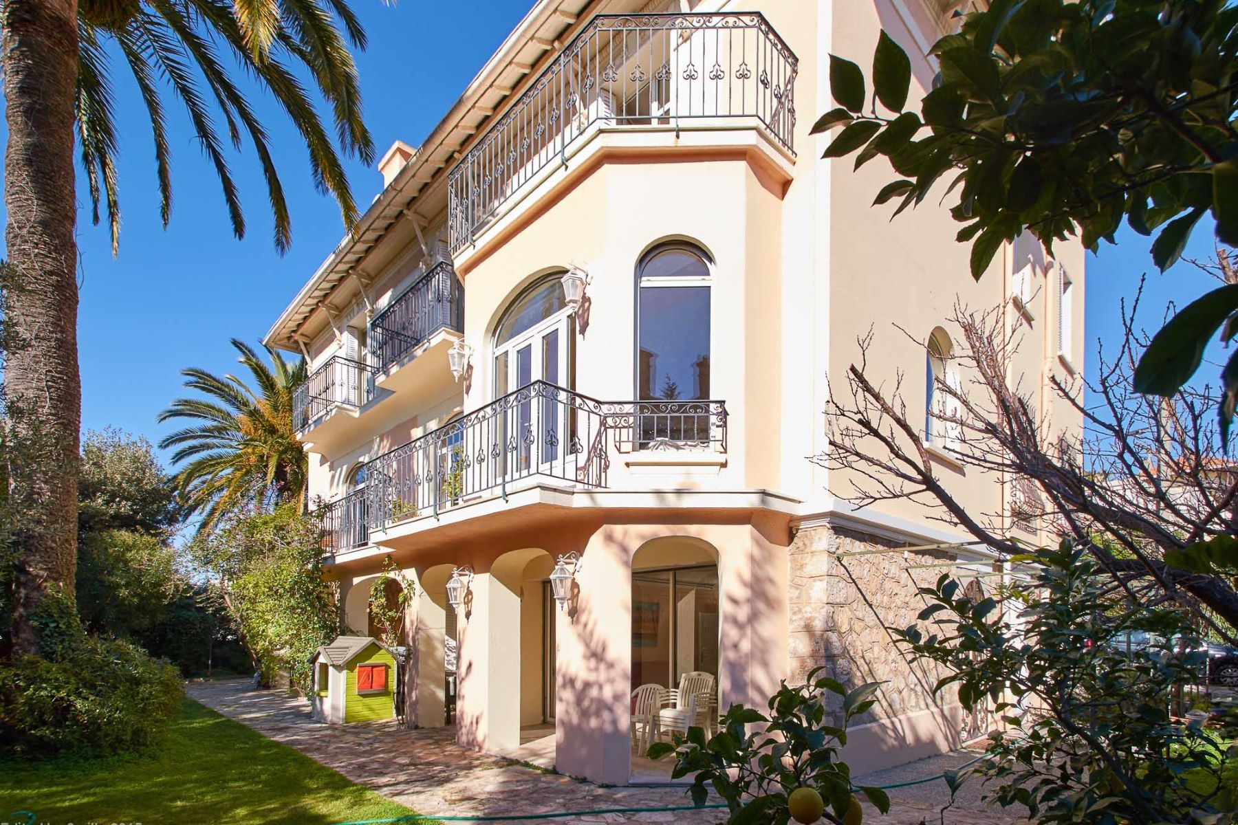 Property for Sale at Superb mansion in Cannes Cannes, Provence-Alpes-Cote D'Azur 06400 France