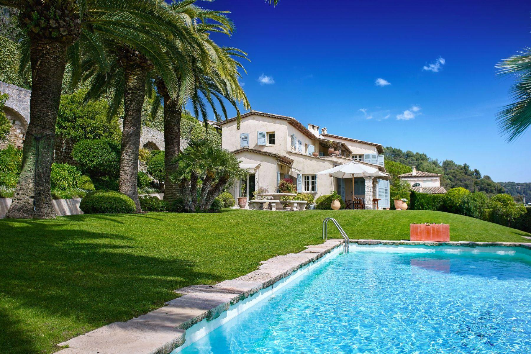 Maison unifamiliale pour l Vente à Charming and authentic provencal estate in La Colle sur Loup - Sole agent La Colle Sur Loup, Provence-Alpes-Cote D'Azur, 06480 France