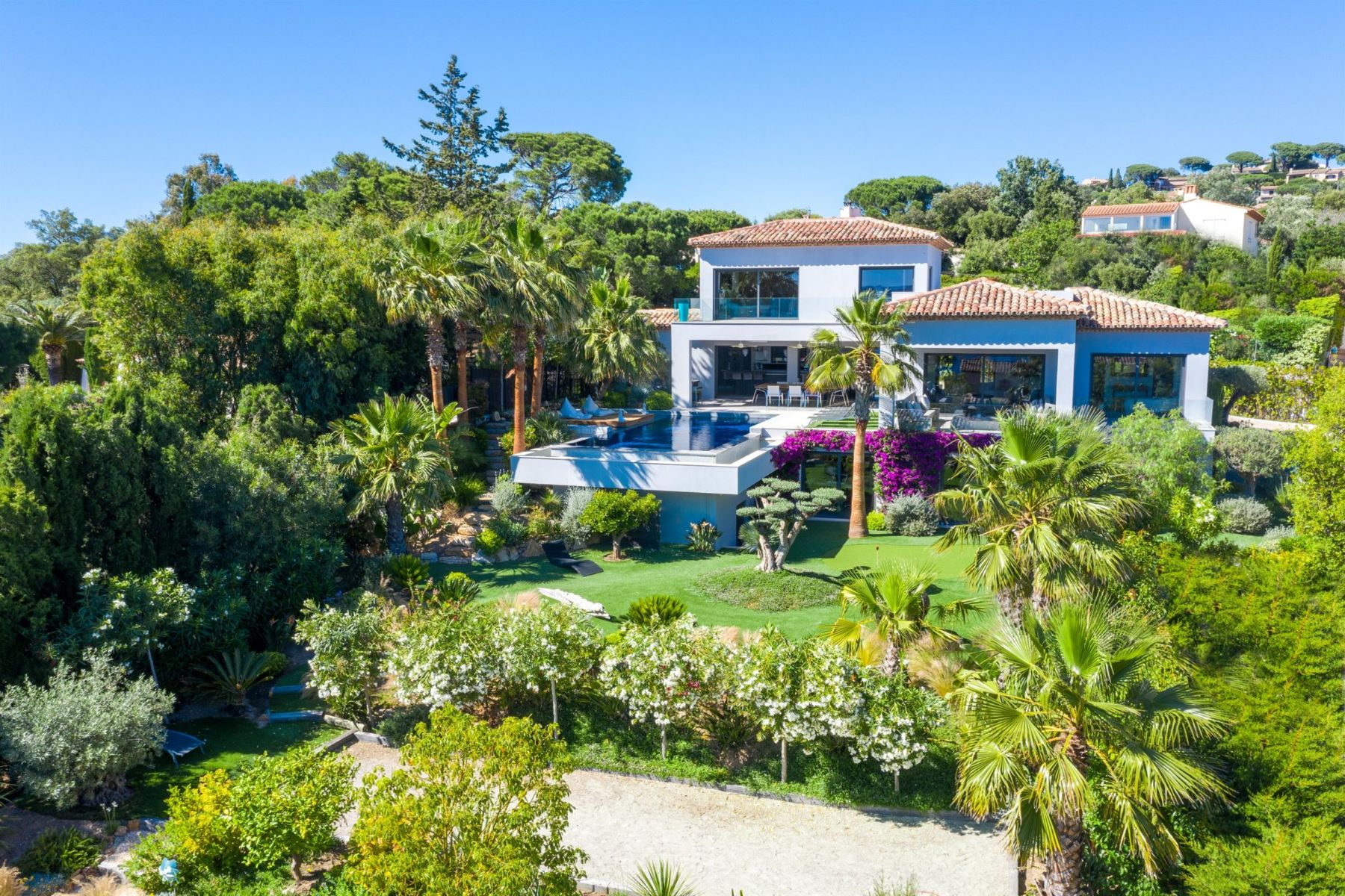 Single Family Homes por un Venta en Contemporary house Sainte Maxime, Provincia - Alpes - Costa Azul 83120 Francia