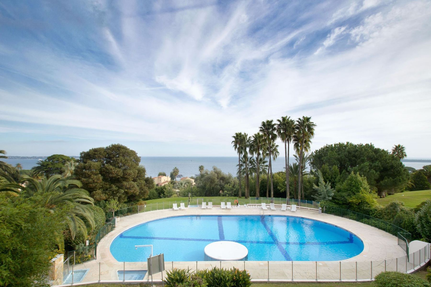 獨棟家庭住宅 為 出售 在 Quiet area - Cannes Californie - house for sale in a gated domain - sea views Cannes, 普羅旺斯阿爾卑斯藍色海岸, 06400 法國