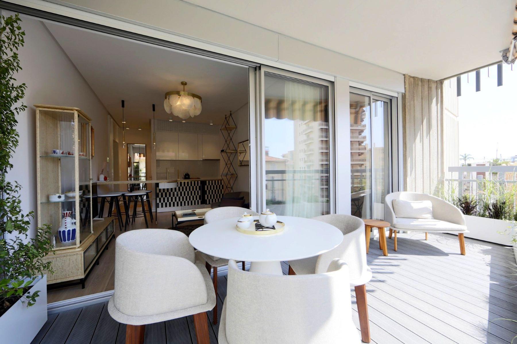 Apartments for Sale at Le Millefiori, Charming family apartment Monaco, La Condamine 98000 Monaco