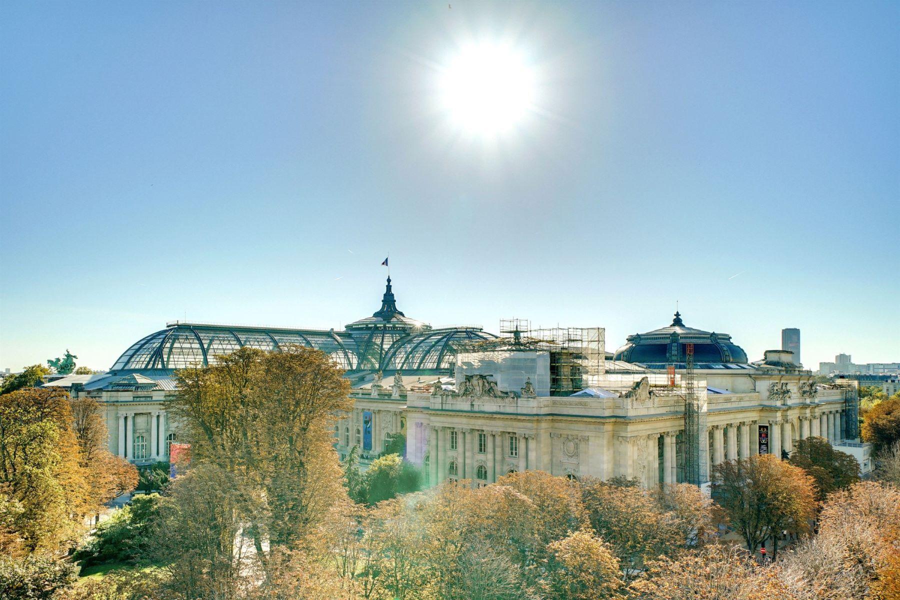 apartments for Sale at Paris VIII - Penthouse Triangle d'Or Paris, Ile-De-France 75008 France
