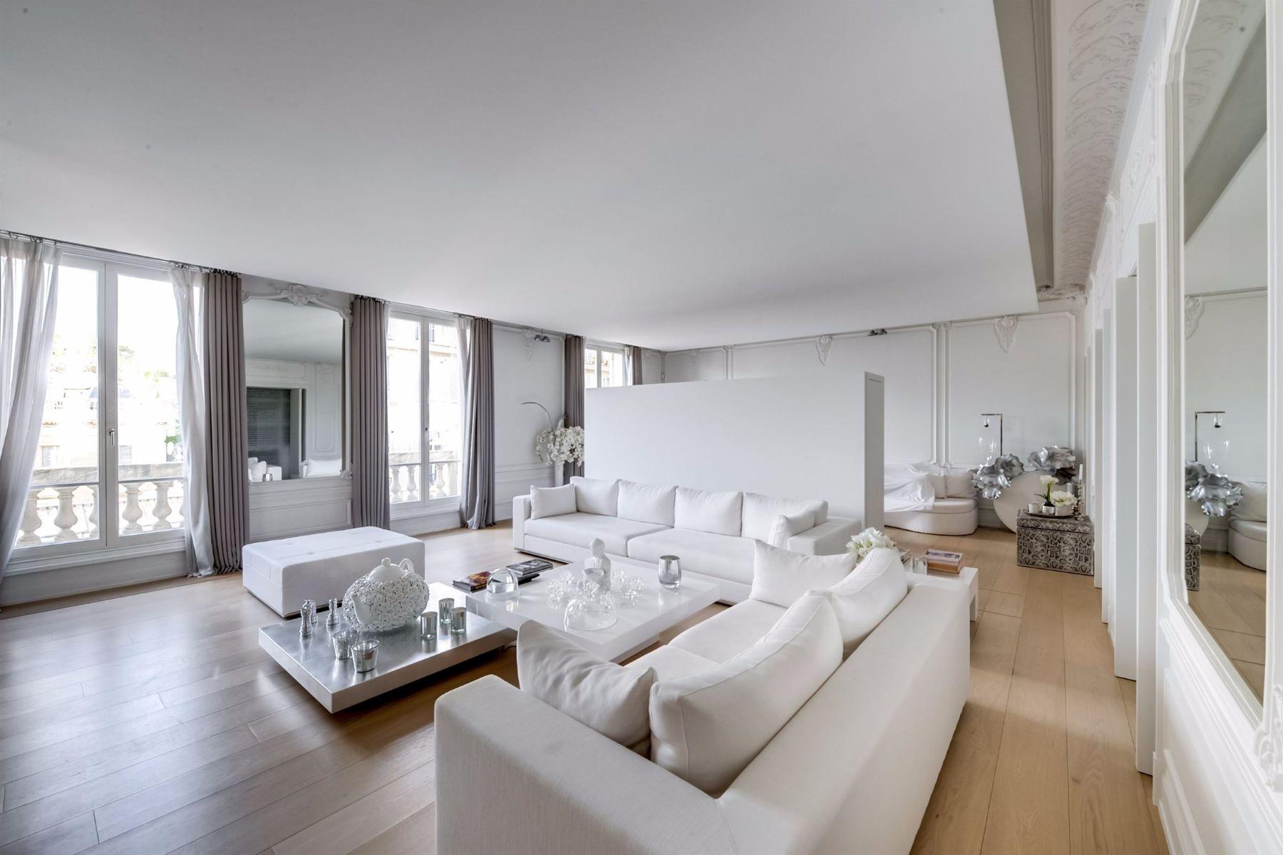 Apartamento para Venda às A 350 sq.m Apartment for sale, Paris 8 - Parc Monceau, 4 bedrooms Paris, Ile-De-France, 75008 França
