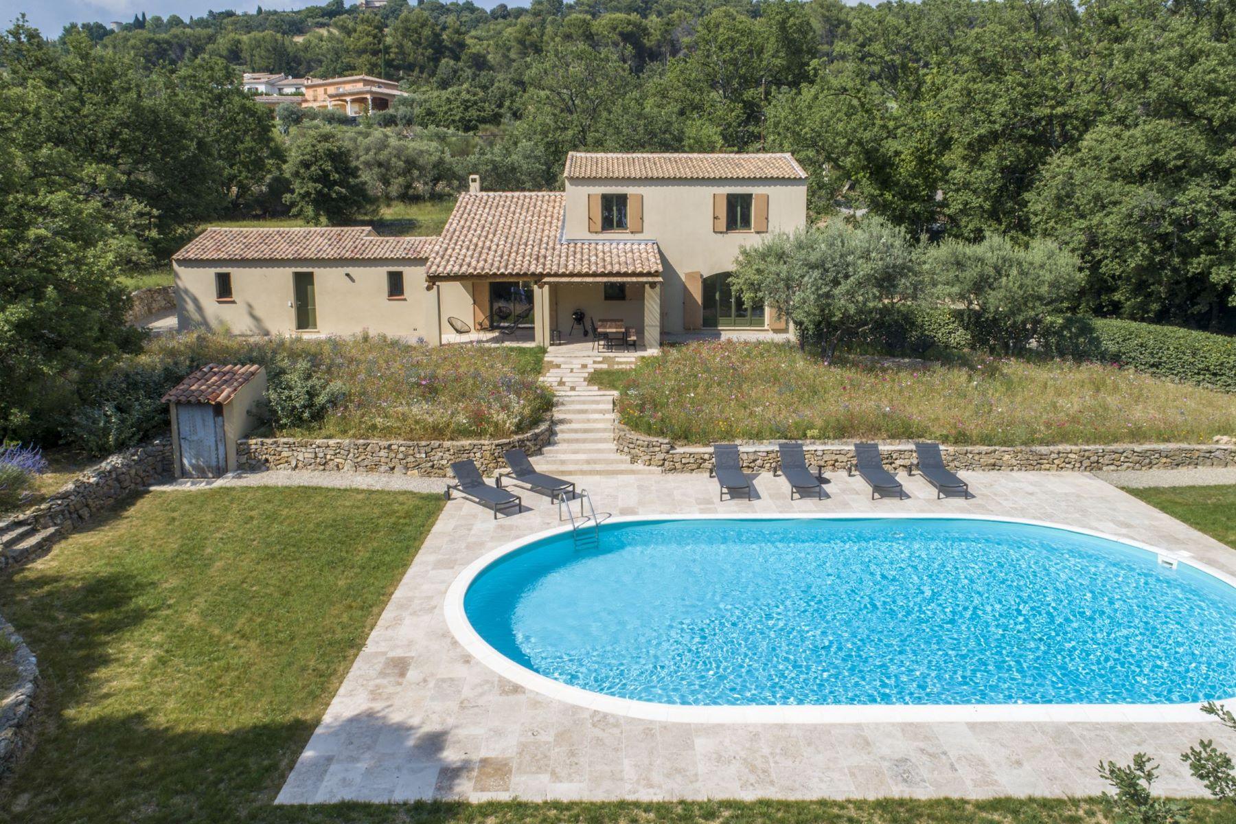 Single Family Homes por un Venta en Exclusive: Provençal family home Tourtour, Provincia - Alpes - Costa Azul 83690 Francia