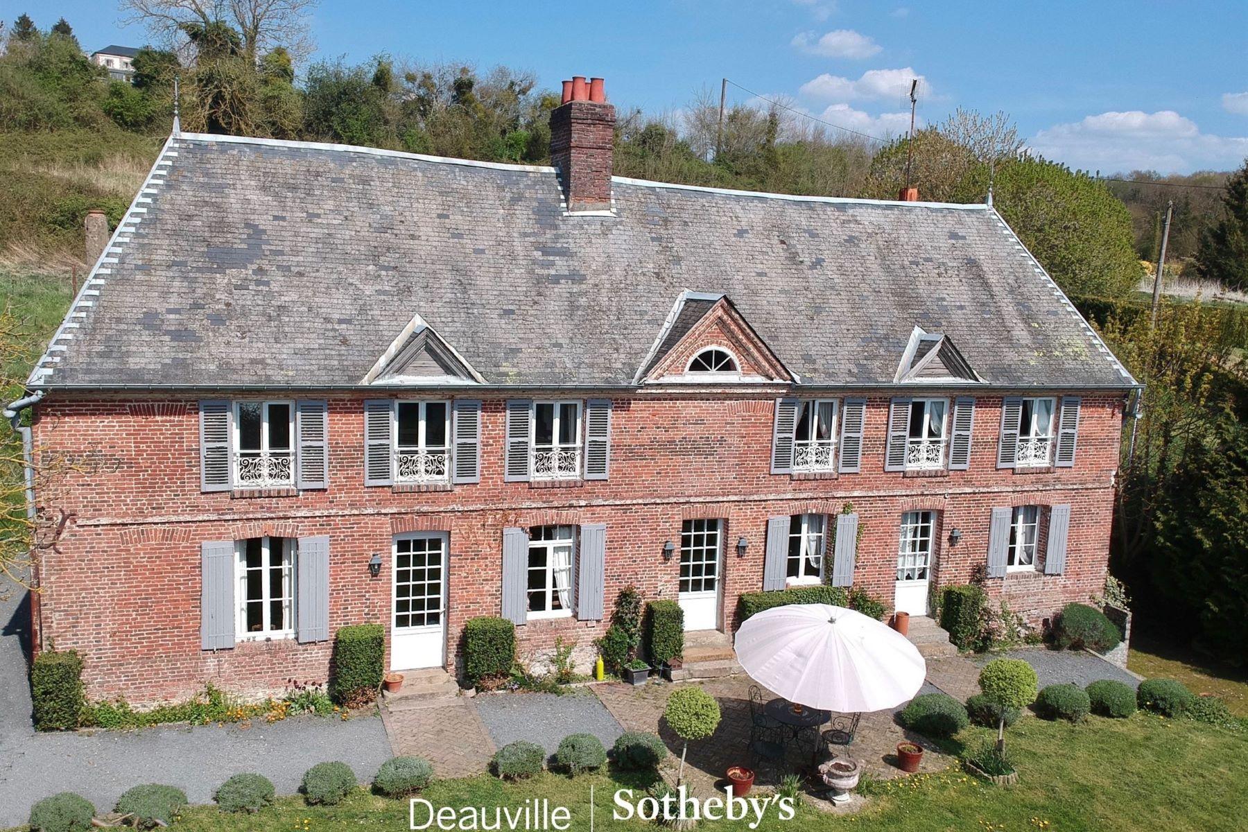 Single Family Homes for Sale at Normandie - Pays d'Auge - Proche Lisieux - Vente - Manoir Directoire - 1.4 ha La Chapelle Yvon, Lower Normandy 14290 France