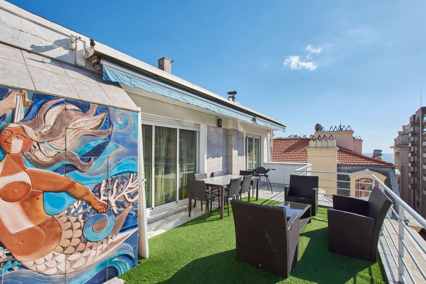 Apartments por un Venta en For sale, a top floor duplex, Nice Carré D'Or Nice, Provincia - Alpes - Costa Azul 06000 Francia