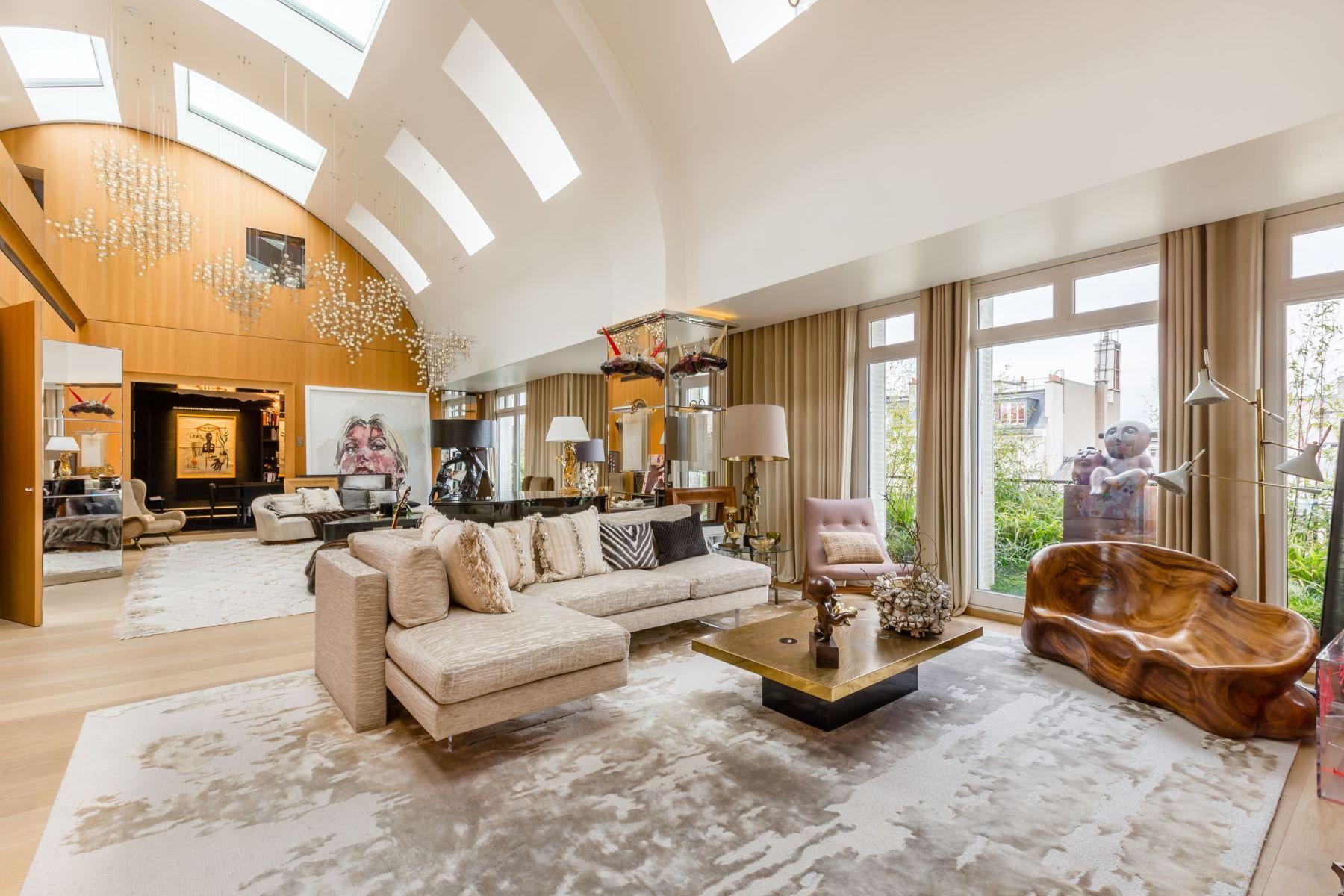 Apartments for Active at Prestige duplex with terraces - Royal Monceau, Paris VIII Paris, Ile-De-France 75008 France