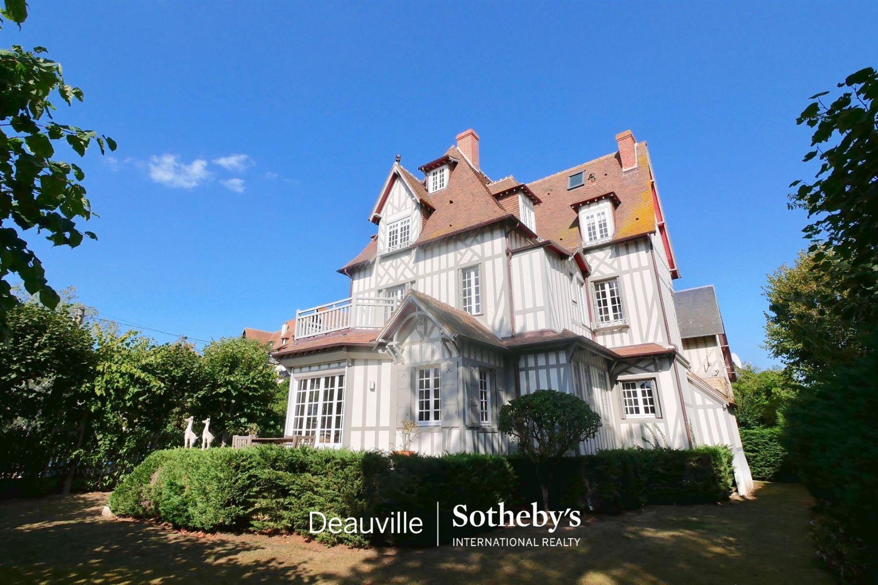 Single Family Homes por un Venta en Villa Deauville, Baja Normandia 14800 Francia