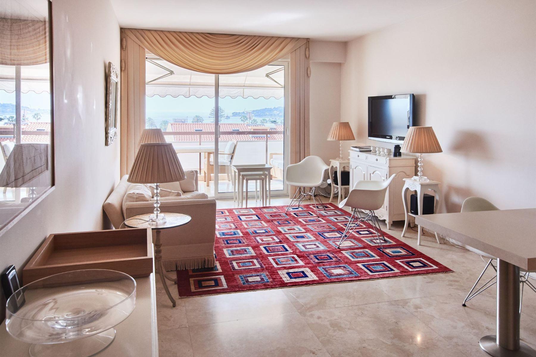 Apartments por un Venta en Magnificent appartement sea view Beaulieu Sur Mer, Provincia - Alpes - Costa Azul 06310 Francia