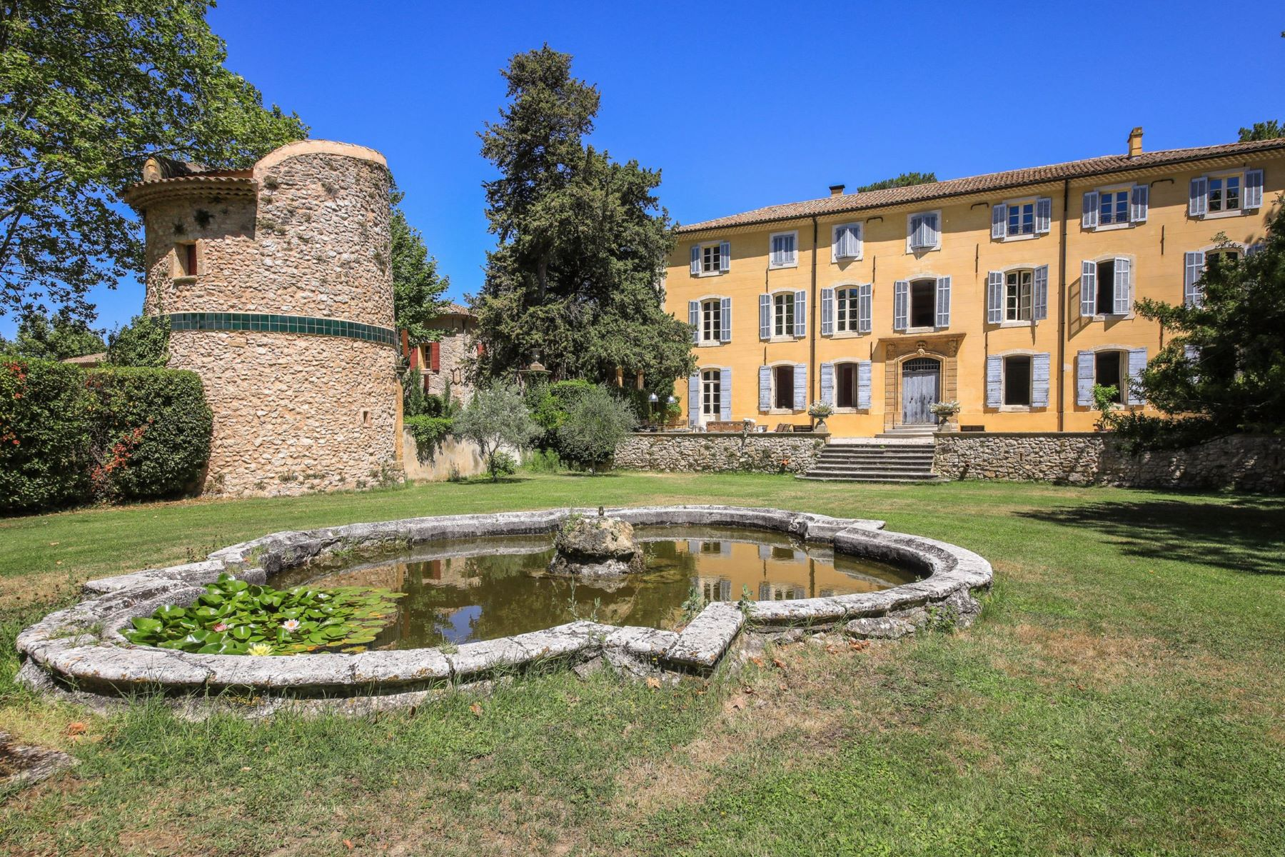 Single Family Homes for Sale at Bastide Aixoise of the XVIII Century Aix-En-Provence, Provence-Alpes-Cote D'Azur 13100 France