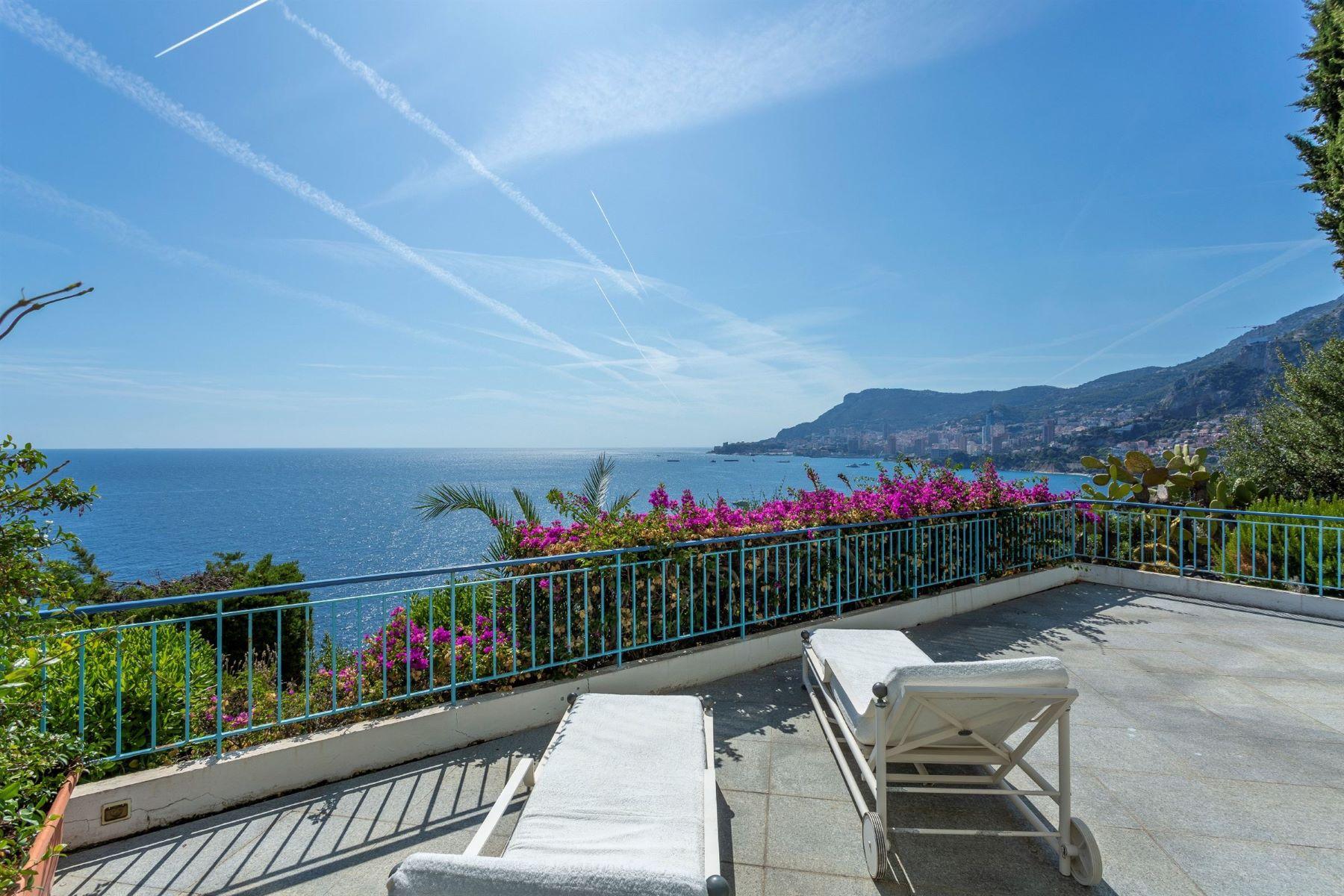 Apartments por un Venta en Apartment Roquebrune Cap Martin, Provincia - Alpes - Costa Azul 06190 Francia