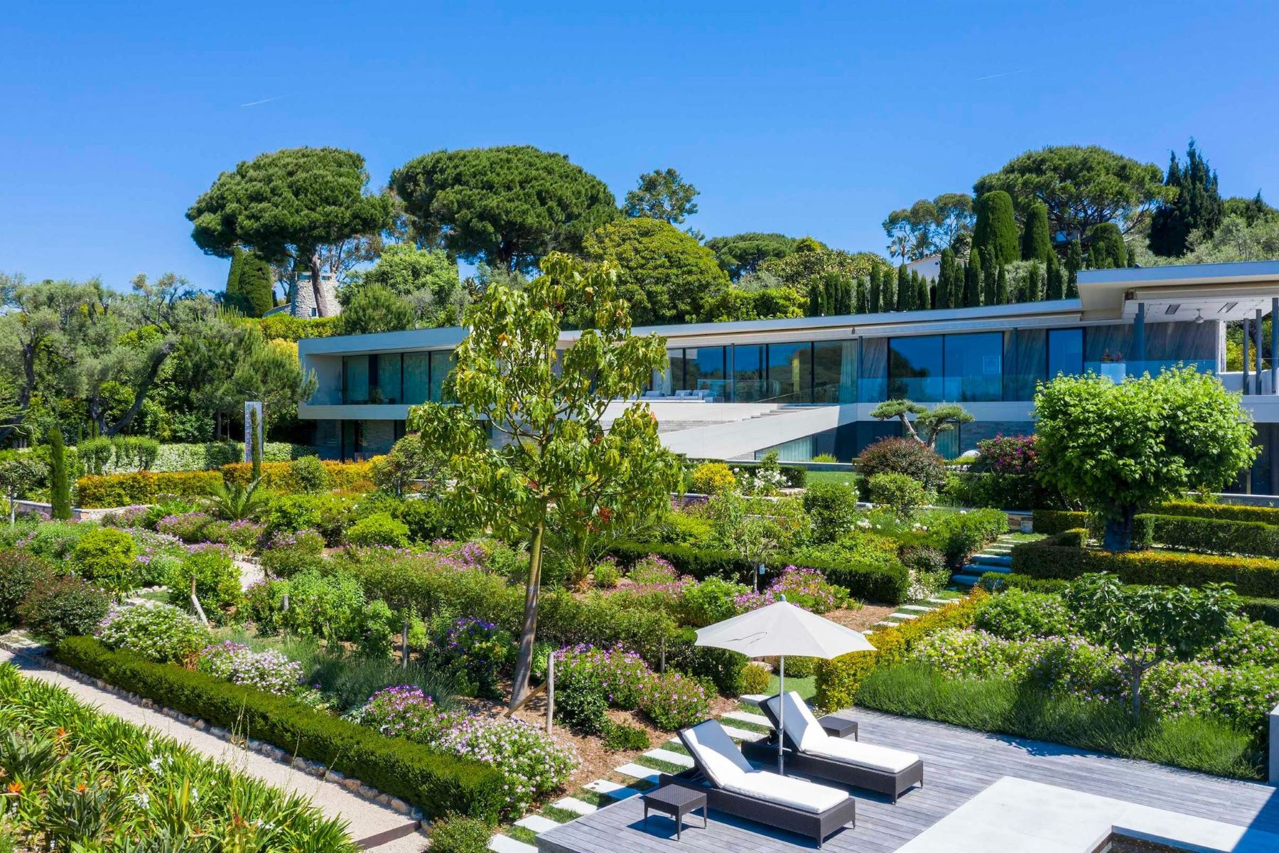 single family homes for Sale at For sale in the heart of the Cap D'Antibes a luxurious contemporary villa Cap D'Antibes, Provence-Alpes-Cote D'Azur 06160 France