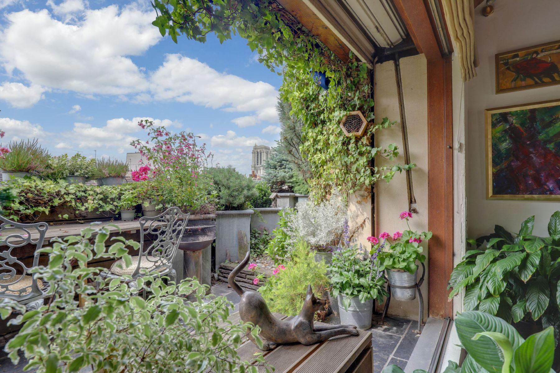 Single Family Homes for Sale at Mansion Paris, Ile-De-France 75005 France