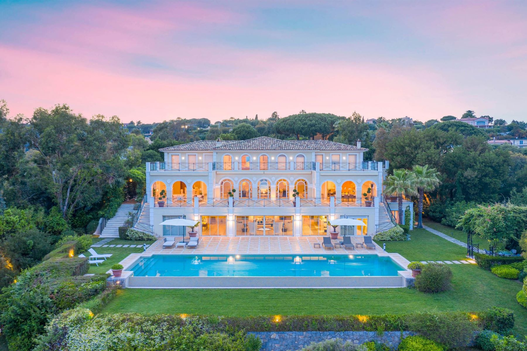 single family homes for Sale at Villa Cannes, Provence-Alpes-Cote D'Azur 06400 France