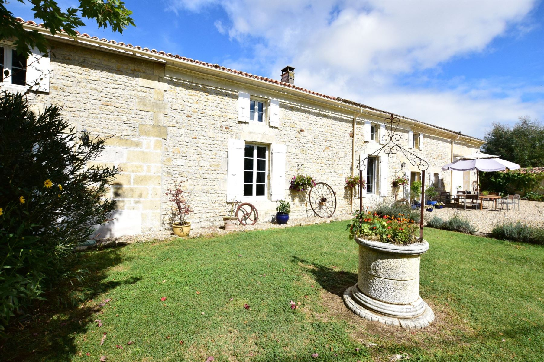 Single Family Home for Sale at Charentaise stone house with pool Gemozac, Poitou-Charentes 17260 France