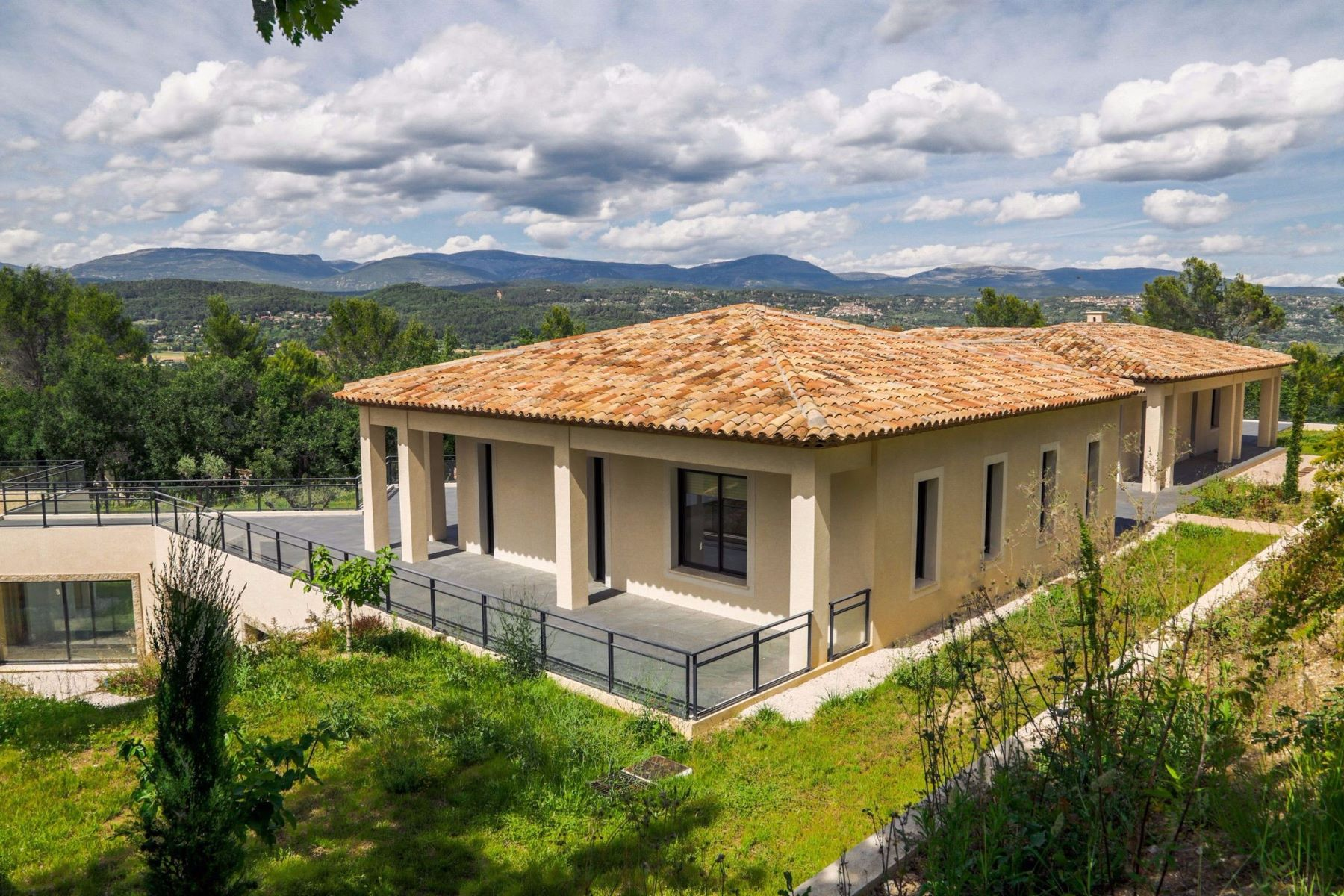 Single Family Home for Sale at Sole agent - Terre Blanche - newly built villa Tourrettes, Provence-Alpes-Cote D'Azur, 83440 France