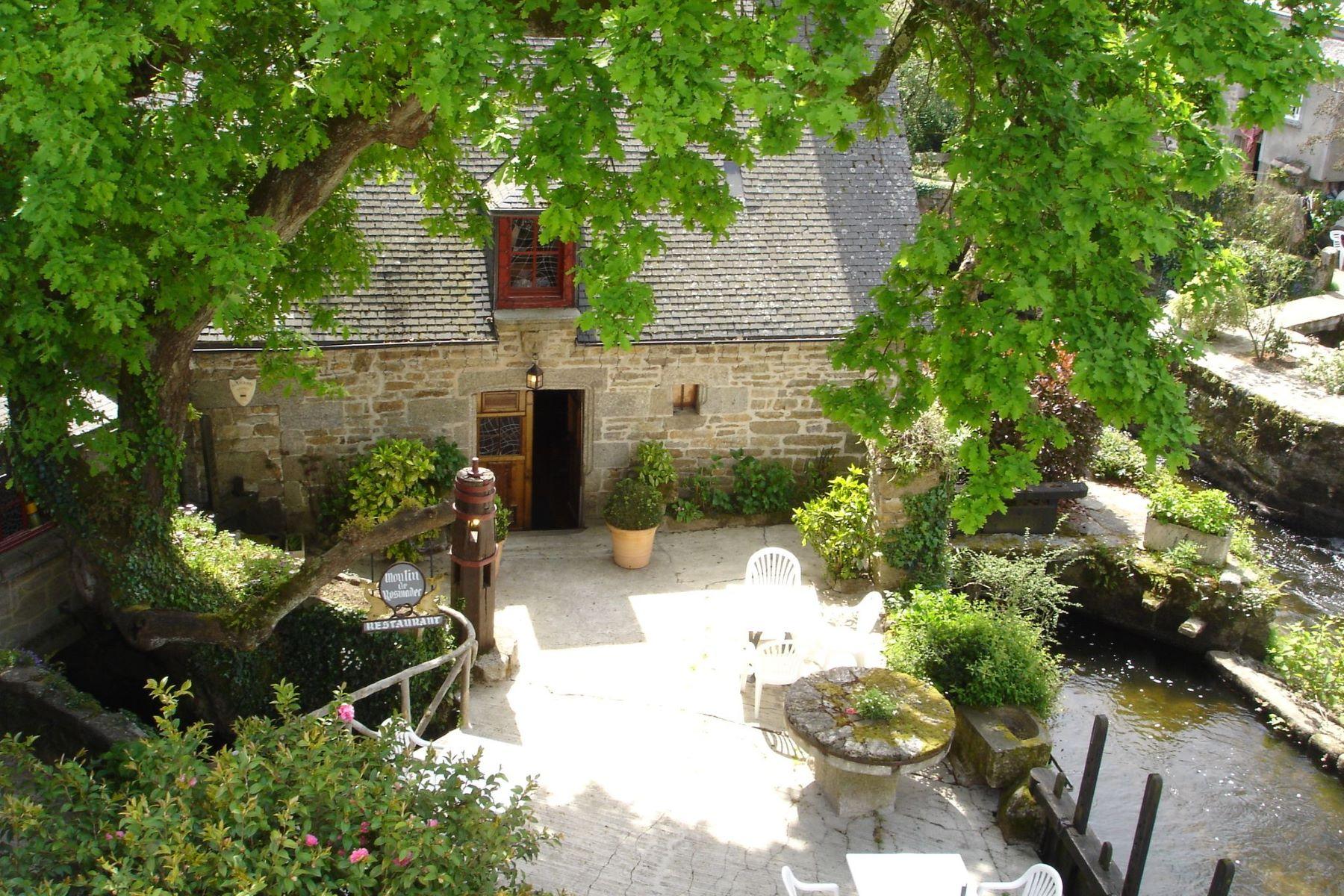 Частный односемейный дом для того Продажа на South Finistery. Beautiful property near the river... Other Brittany, Бретань, 29930 Франция