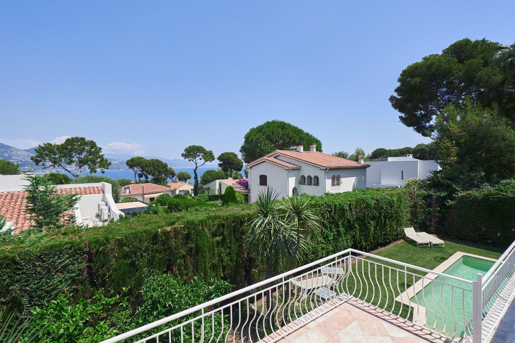 Single Family Homes por un Venta en For sale, property in the heart of Cap-Martin - Next to Monaco - sea view Roquebrune Cap Martin, Provincia - Alpes - Costa Azul 06190 Francia