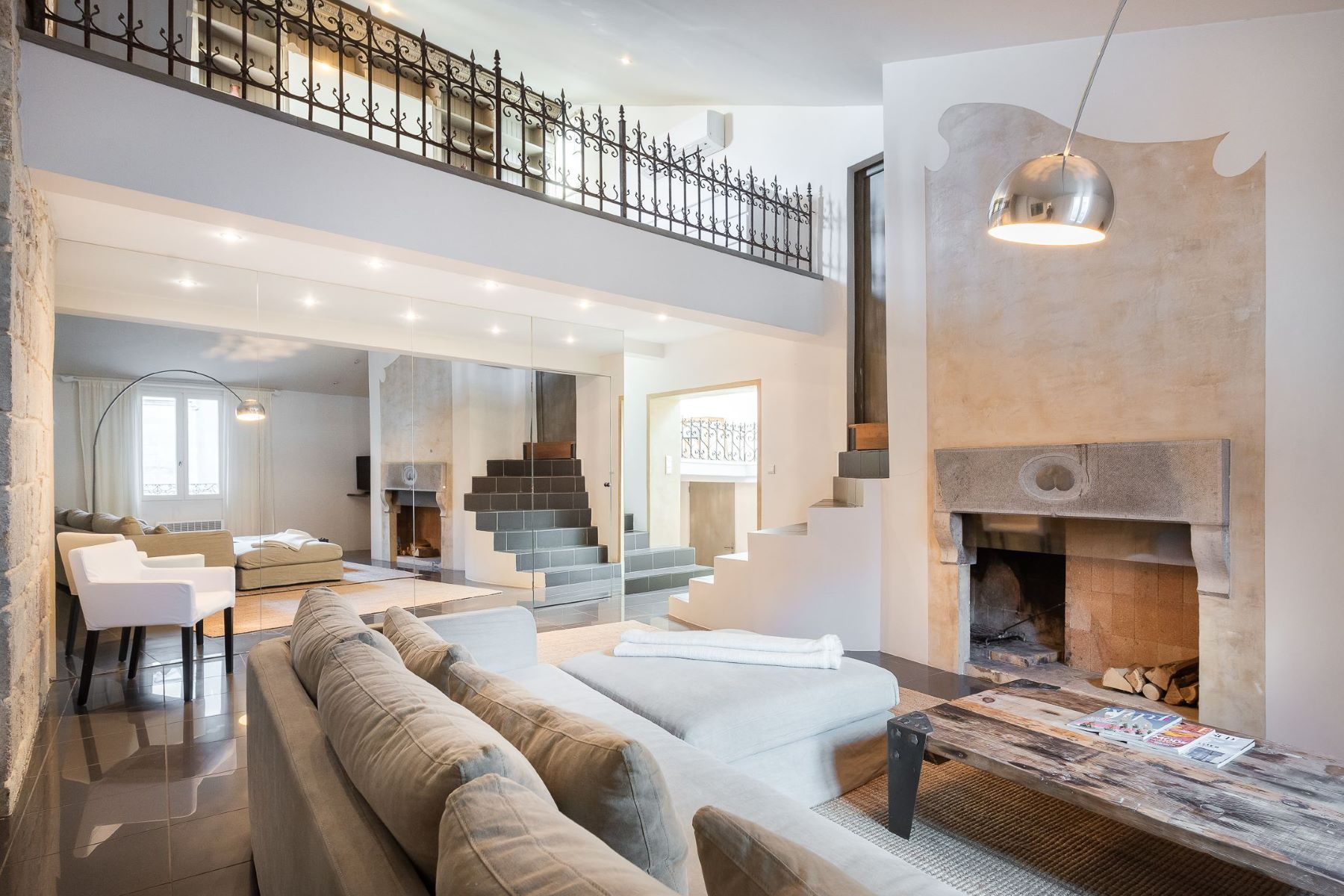 Apartments for Sale at Montpellier, Elegant flat refurbished Montpellier, Languedoc-Roussillon 34000 France