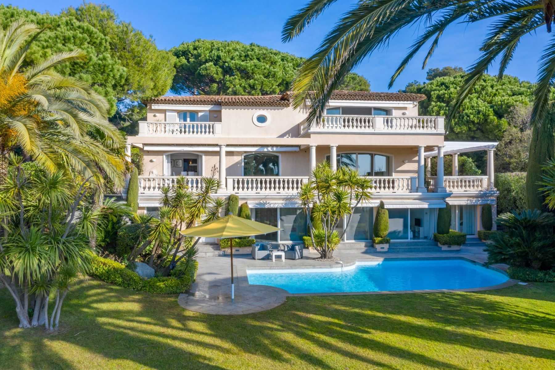 Single Family Homes for Sale at Beautiful villa with panoramic sea view and direct access to the beach Ramatuelle, Provence-Alpes-Cote D'Azur 83350 France