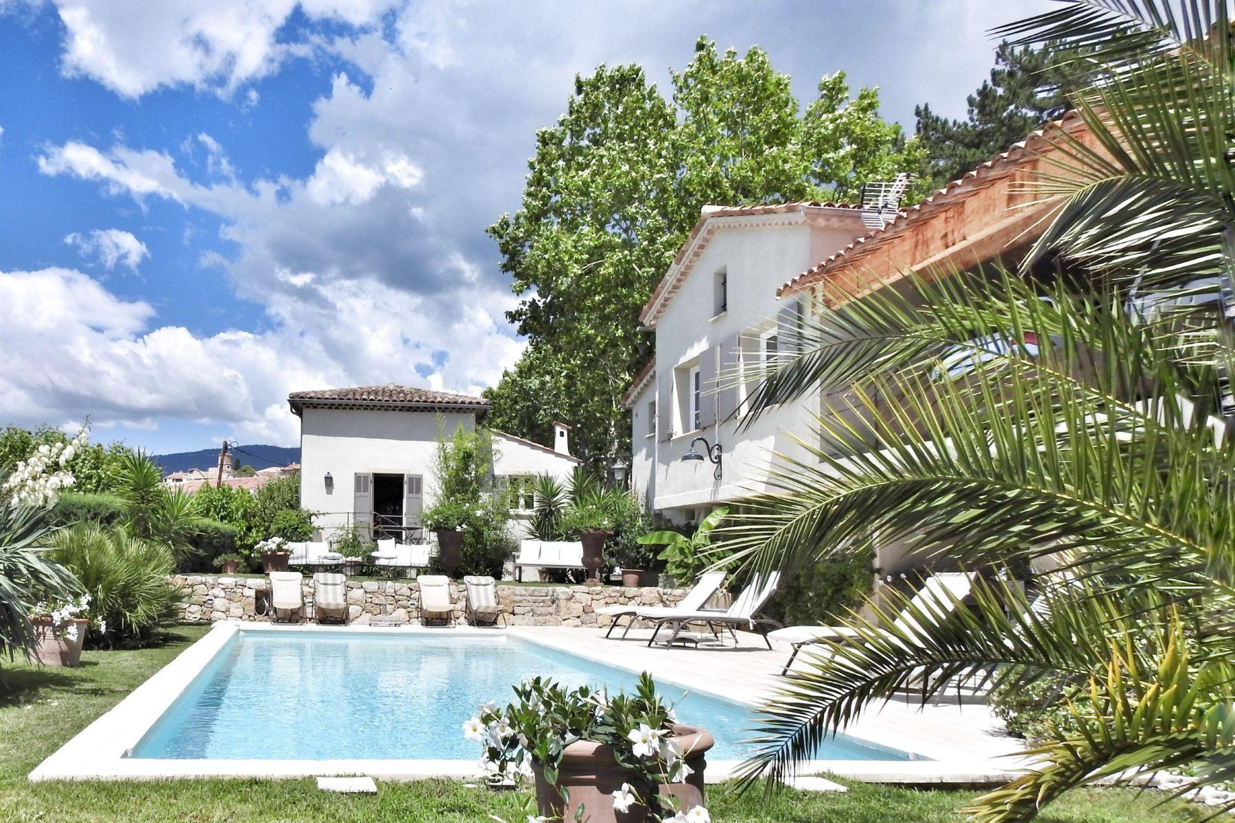 Single Family Homes por un Venta en Traditional house Fayence, Provincia - Alpes - Costa Azul 83440 Francia