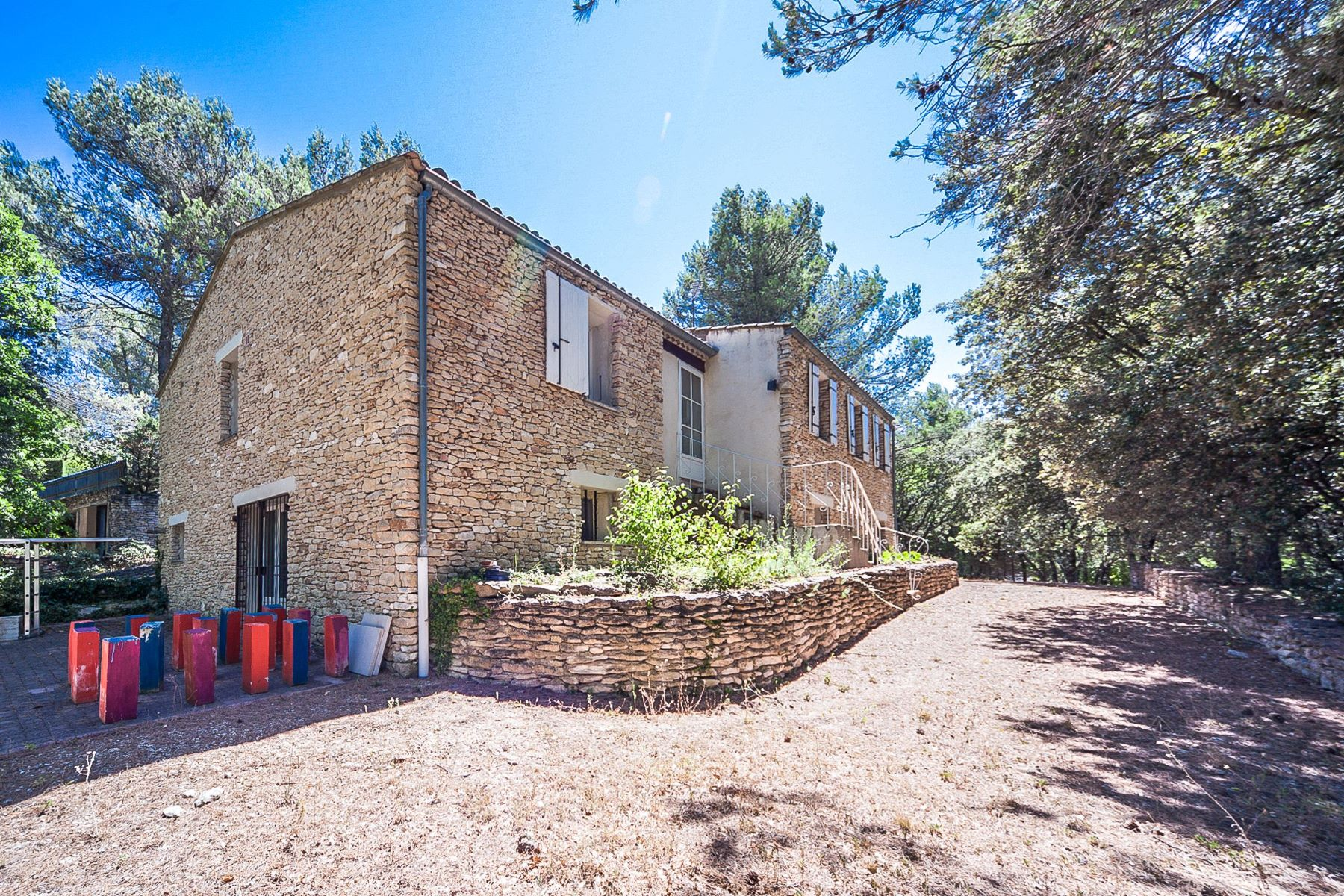 Single Family Home for Sale at Traditional home in Provence Menerbes, Provence-Alpes-Cote D'Azur, 84560 France
