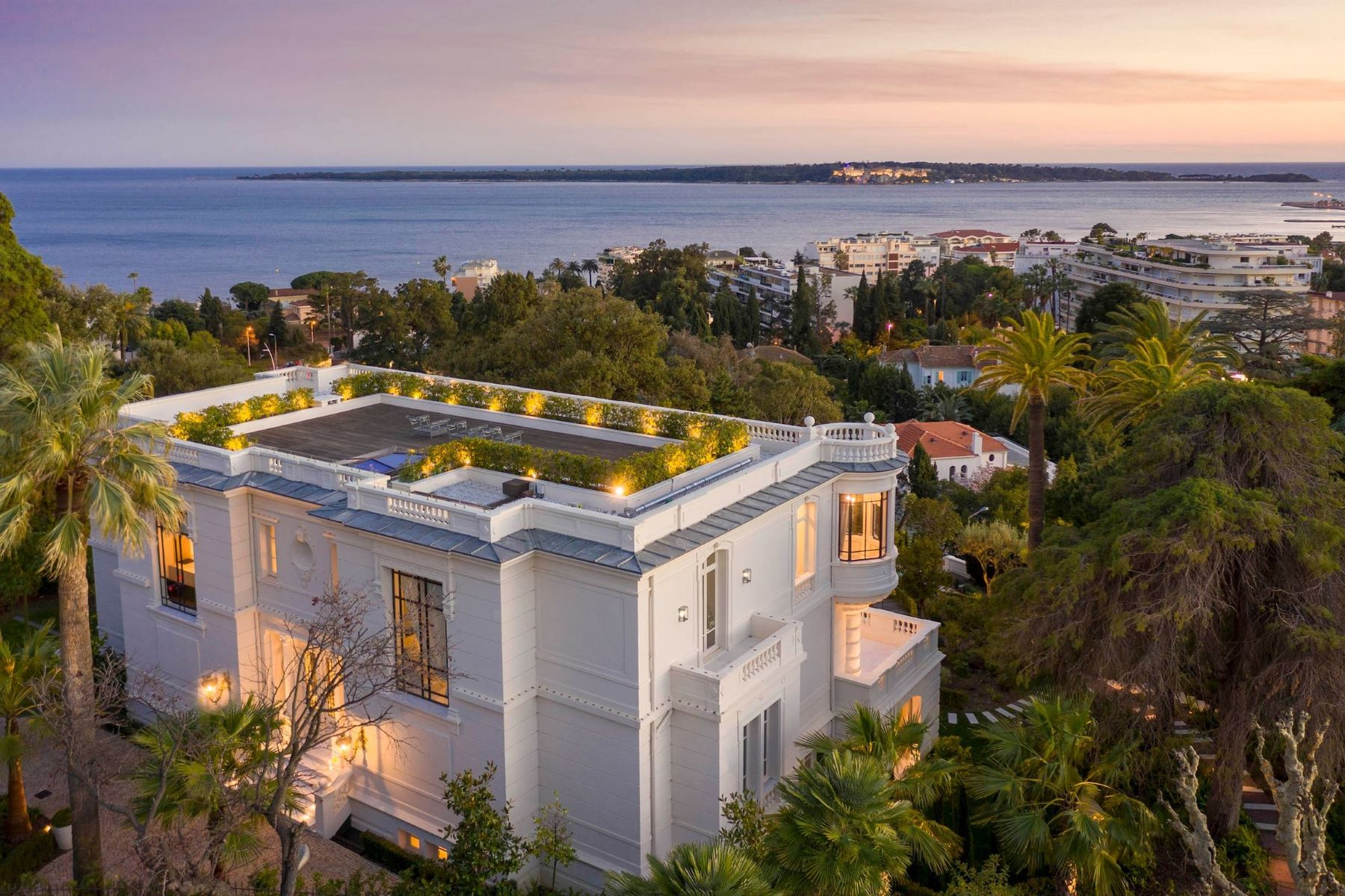 Property for Sale at Belle-Epoque property : luxury property with panoramic sea views in Cannes Cannes, Provence-Alpes-Cote D'Azur 06400 France